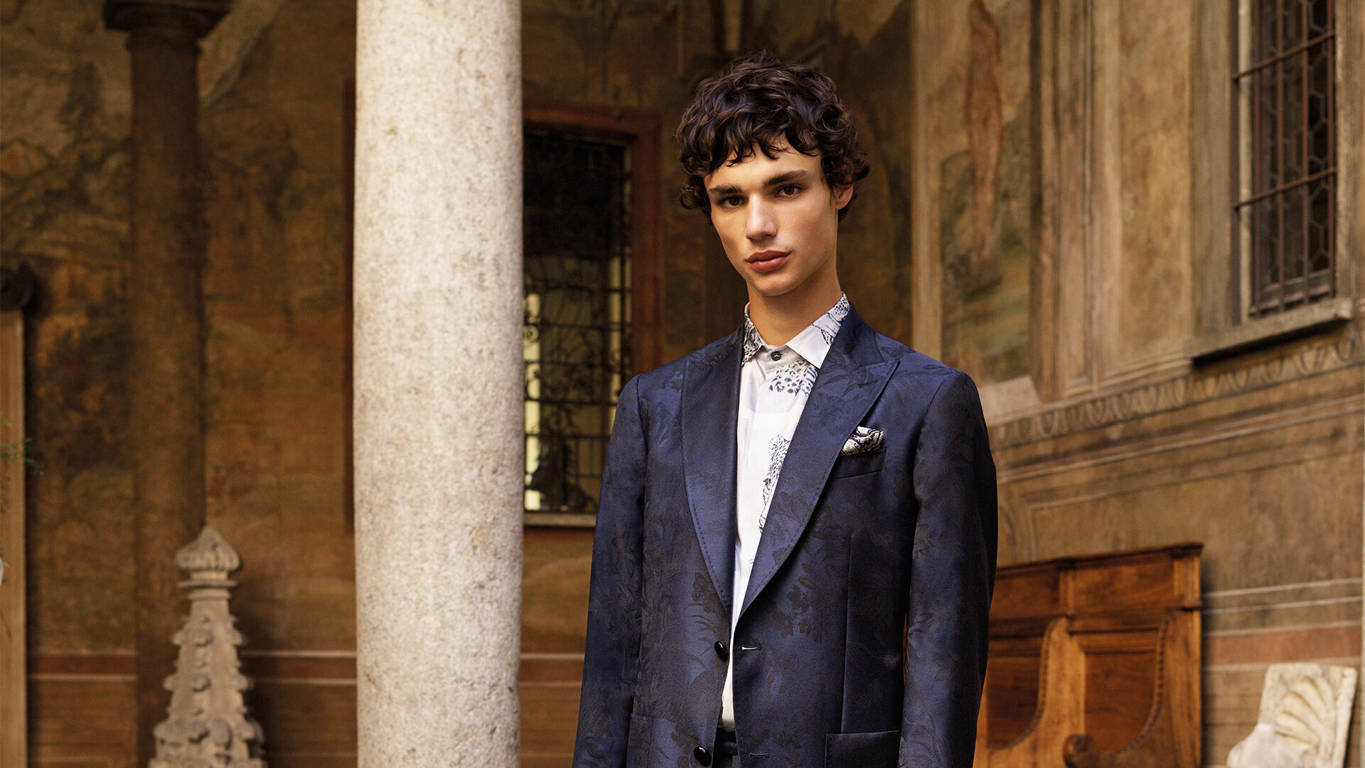 ETRO_WITH STYLE AND ELEGANCE