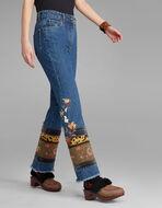 刺繍入りギーキー ブーツカットジーンズ