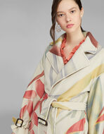 LIGHT COAT WITH FOLIAGE PRINT