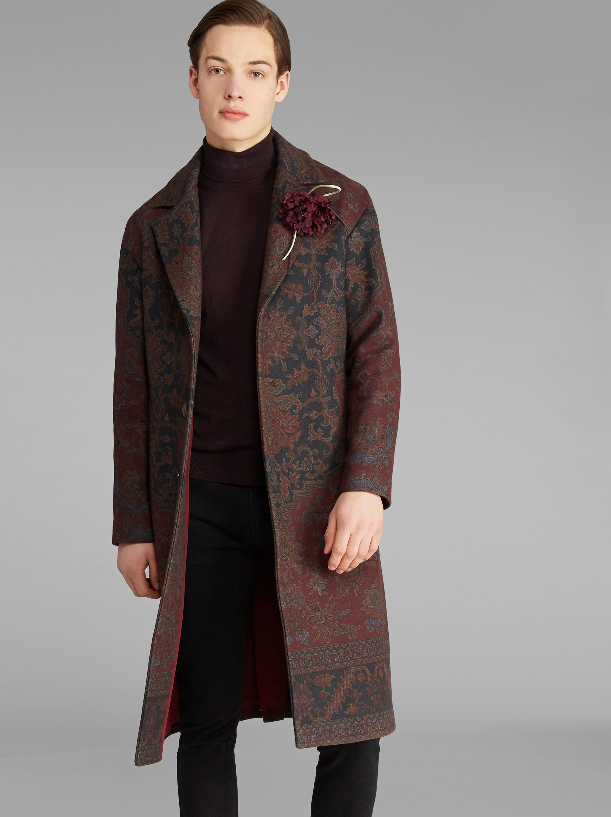 DECONSTRUCTED CARPET-PRINT COAT