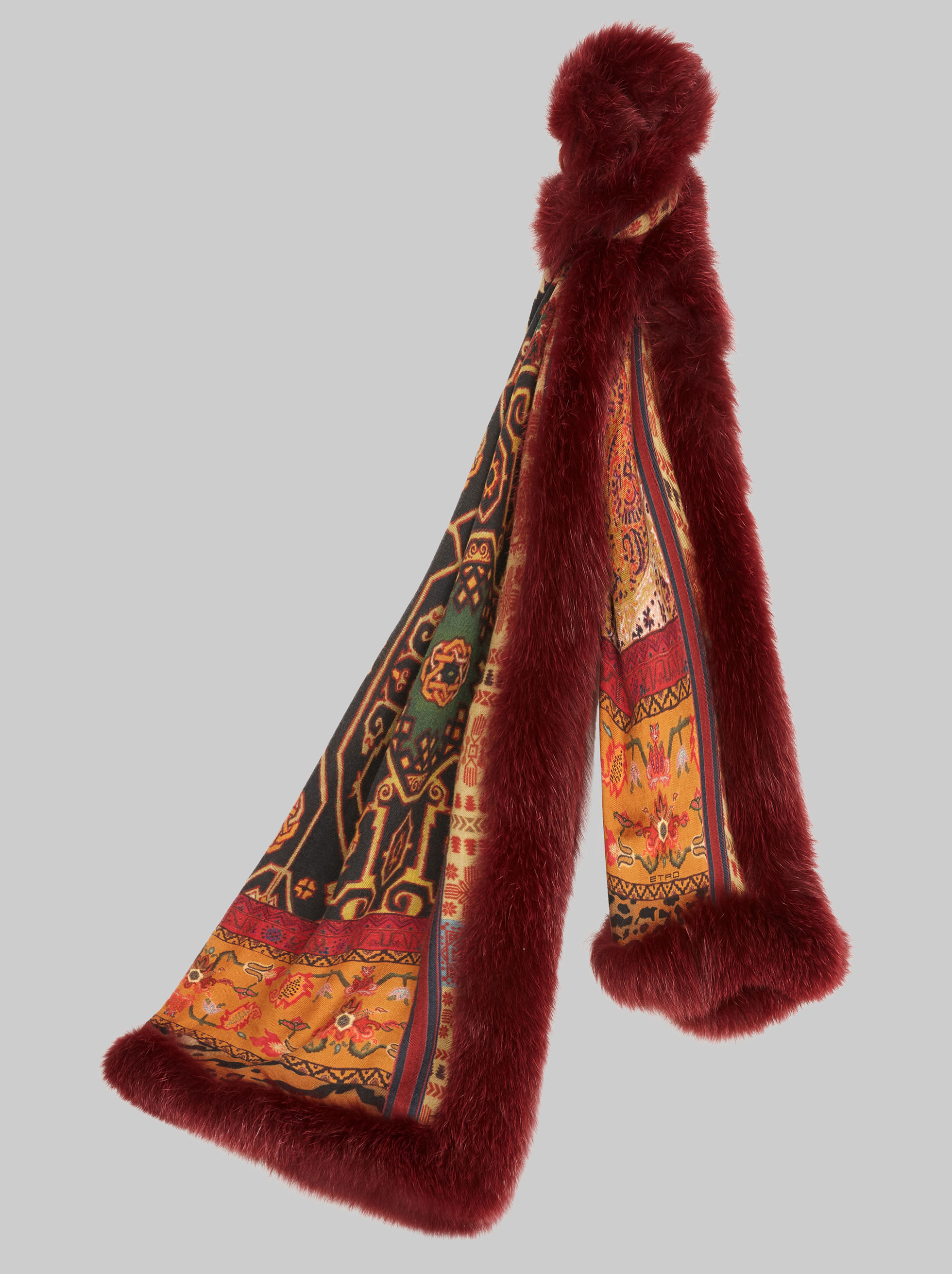 CARPET-PRINT SCARF WITH FUR TRIM