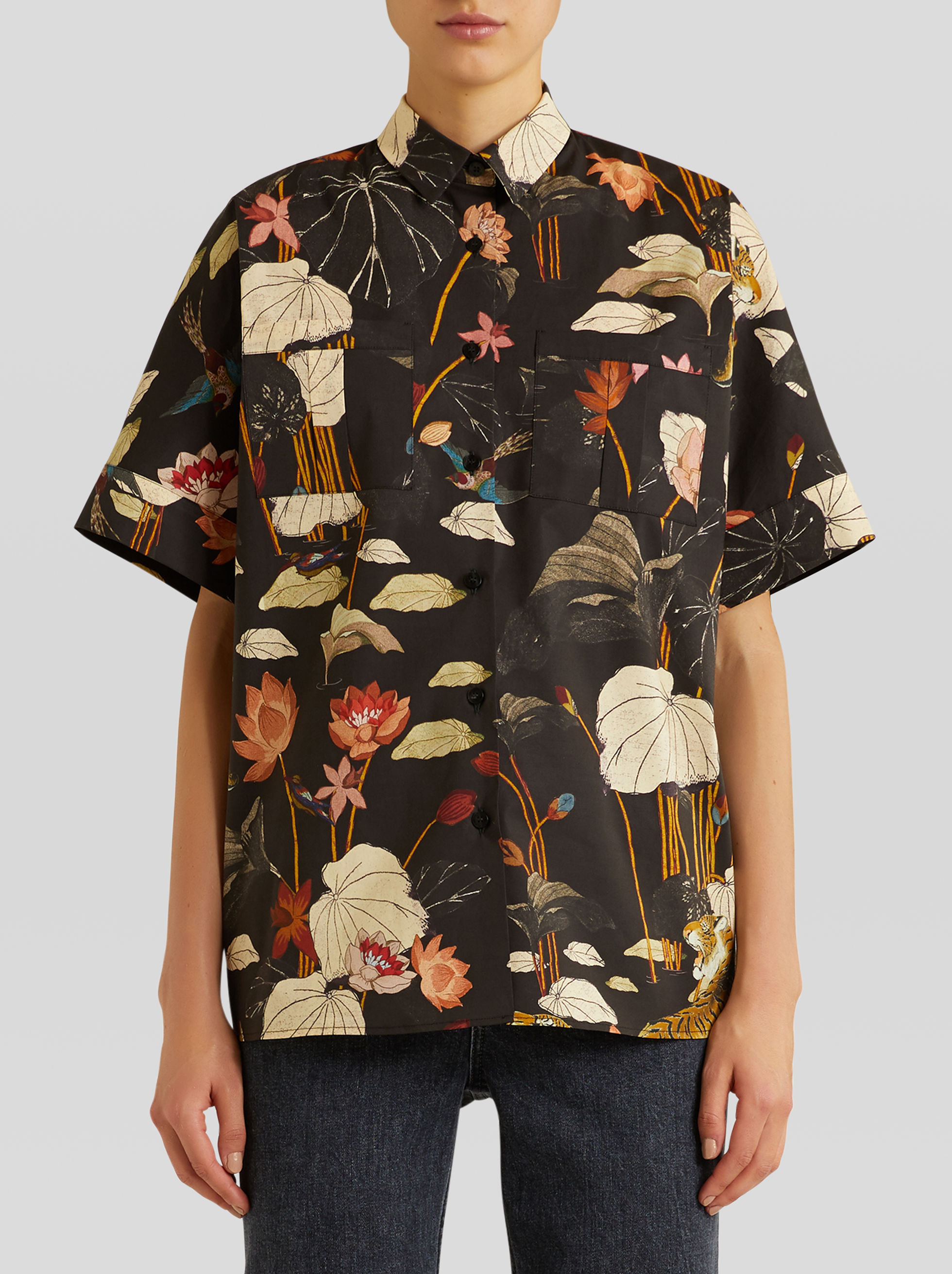 SHORT-SLEEVED SHIRT WITH TIGERS AND WATER LILIES