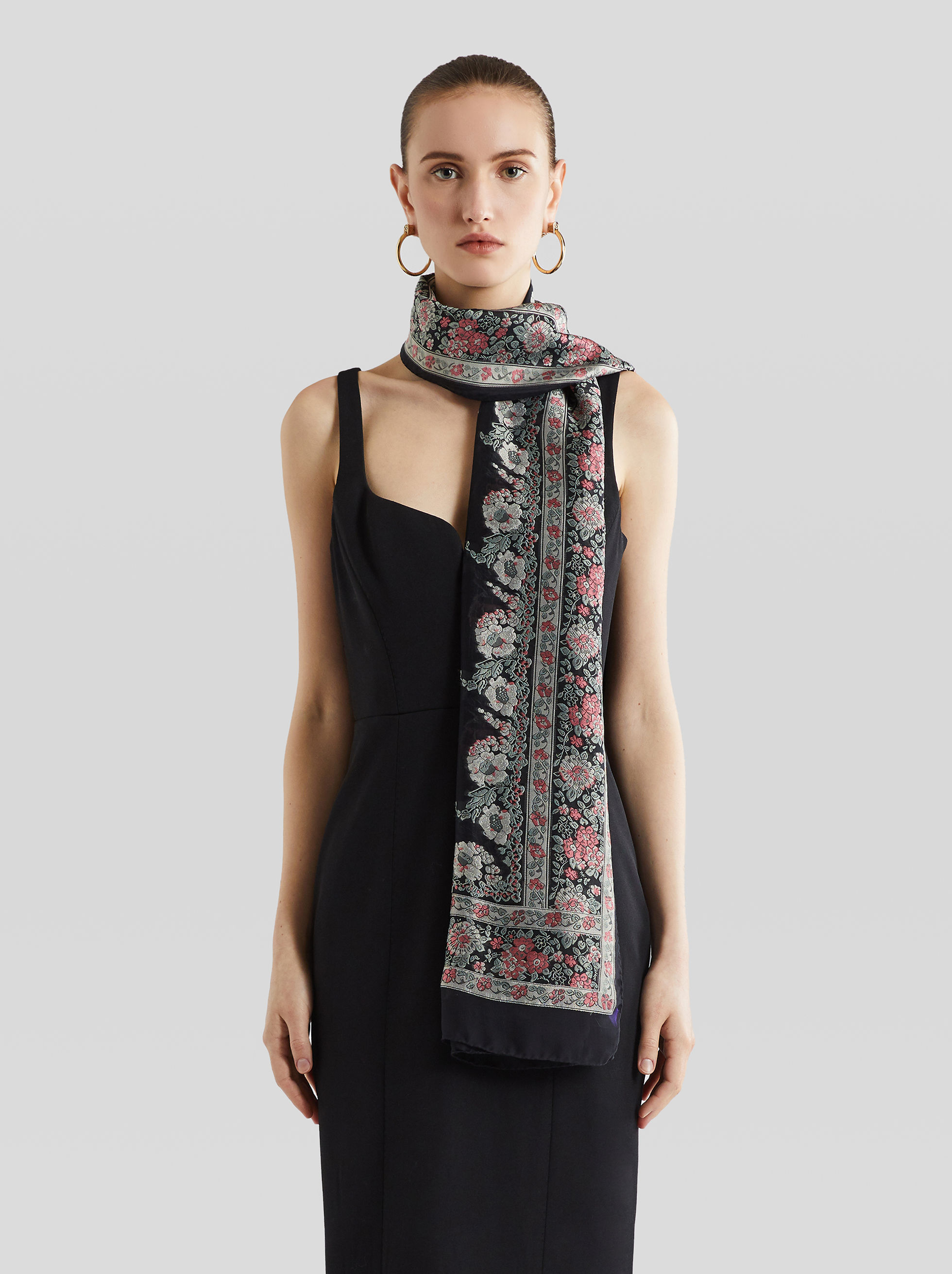 JACQUARD SCARF WITH FLORAL DESIGNS
