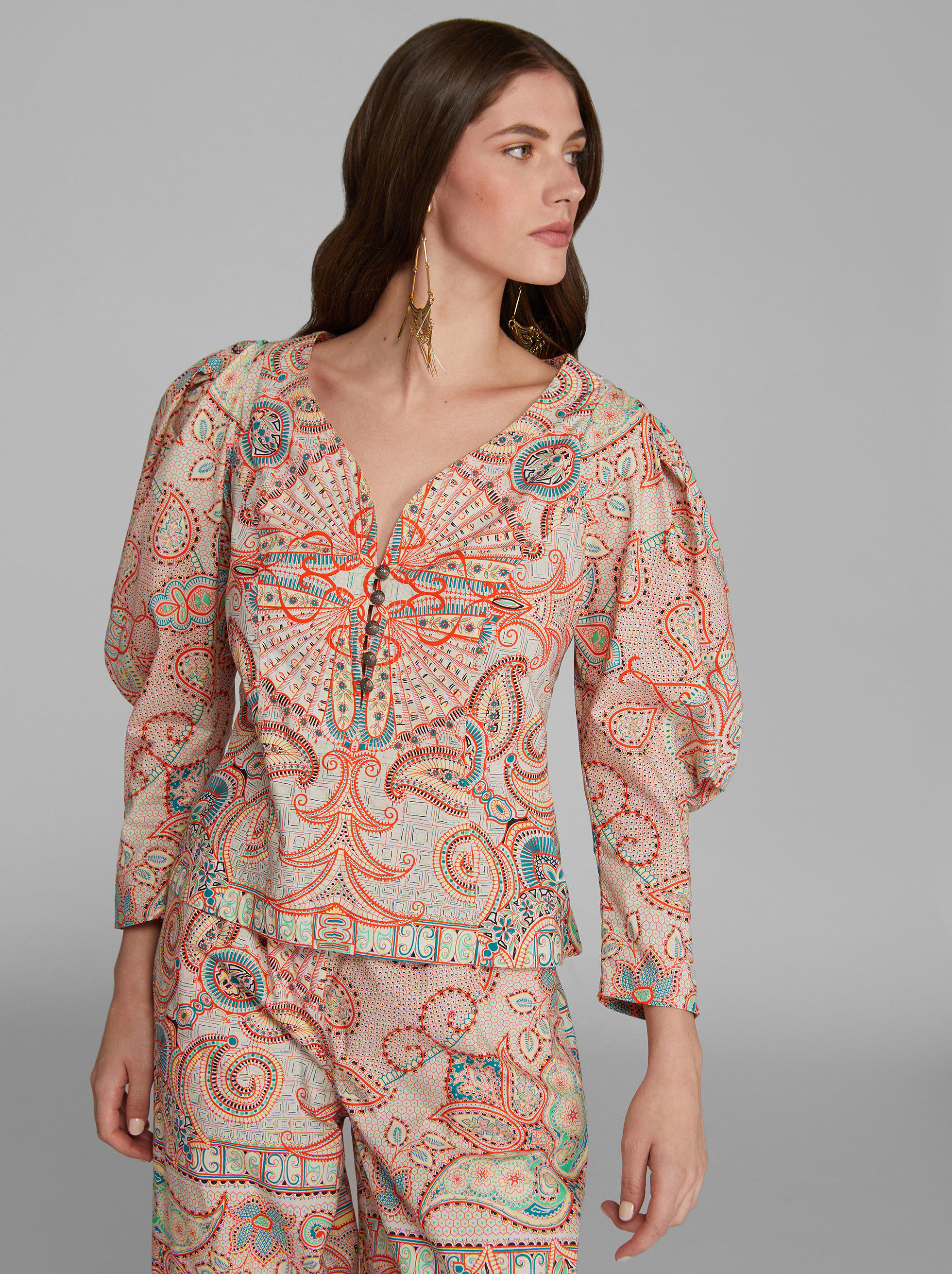 BLUSA CON STAMPA PAISLEY