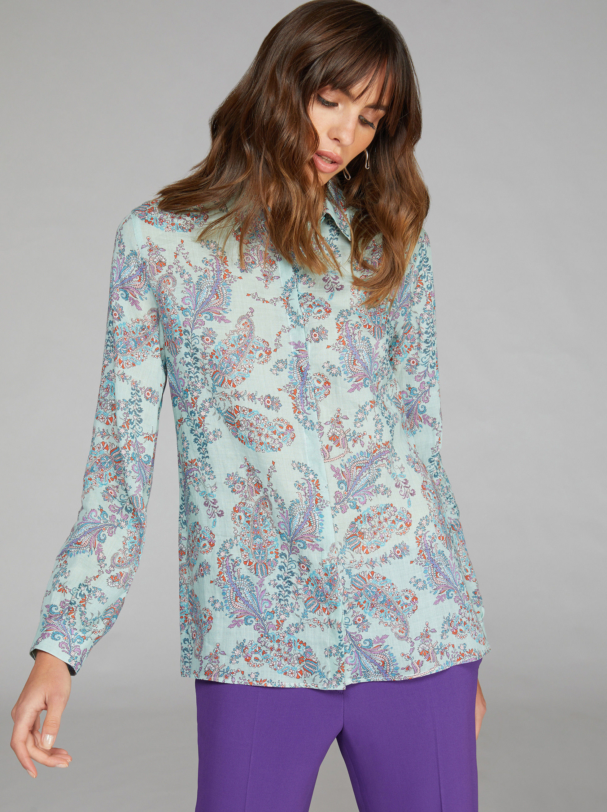 CAMICIA IN RAMIÉ CON STAMPA PAISLEY FLOREALE