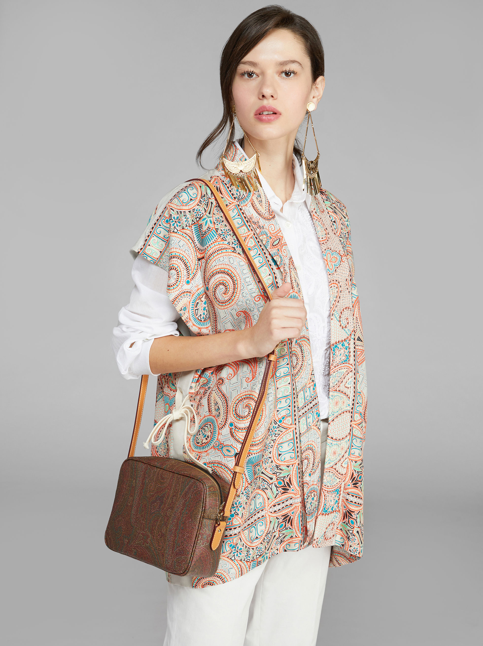 CROSSBODY BAG WITH PAISLEY DESIGNS
