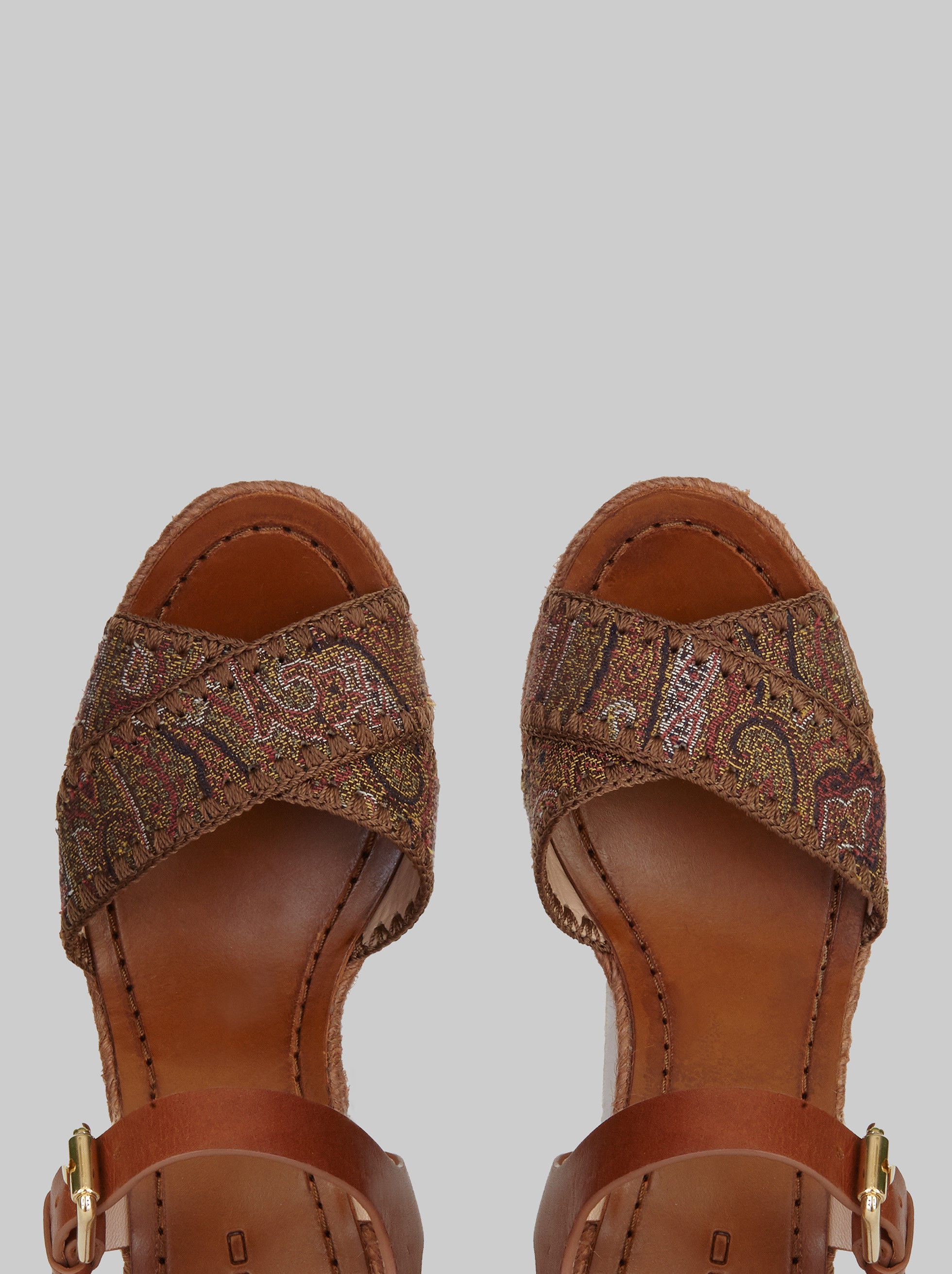 SANDALS WITH WOVEN WEDGE