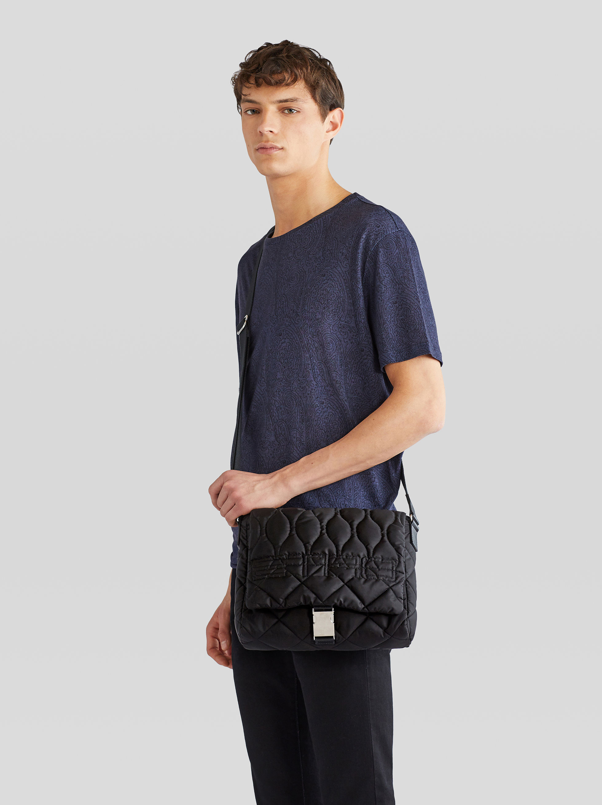 MATELASSÉ NYLON MESSENGER BAG WITH LOGO