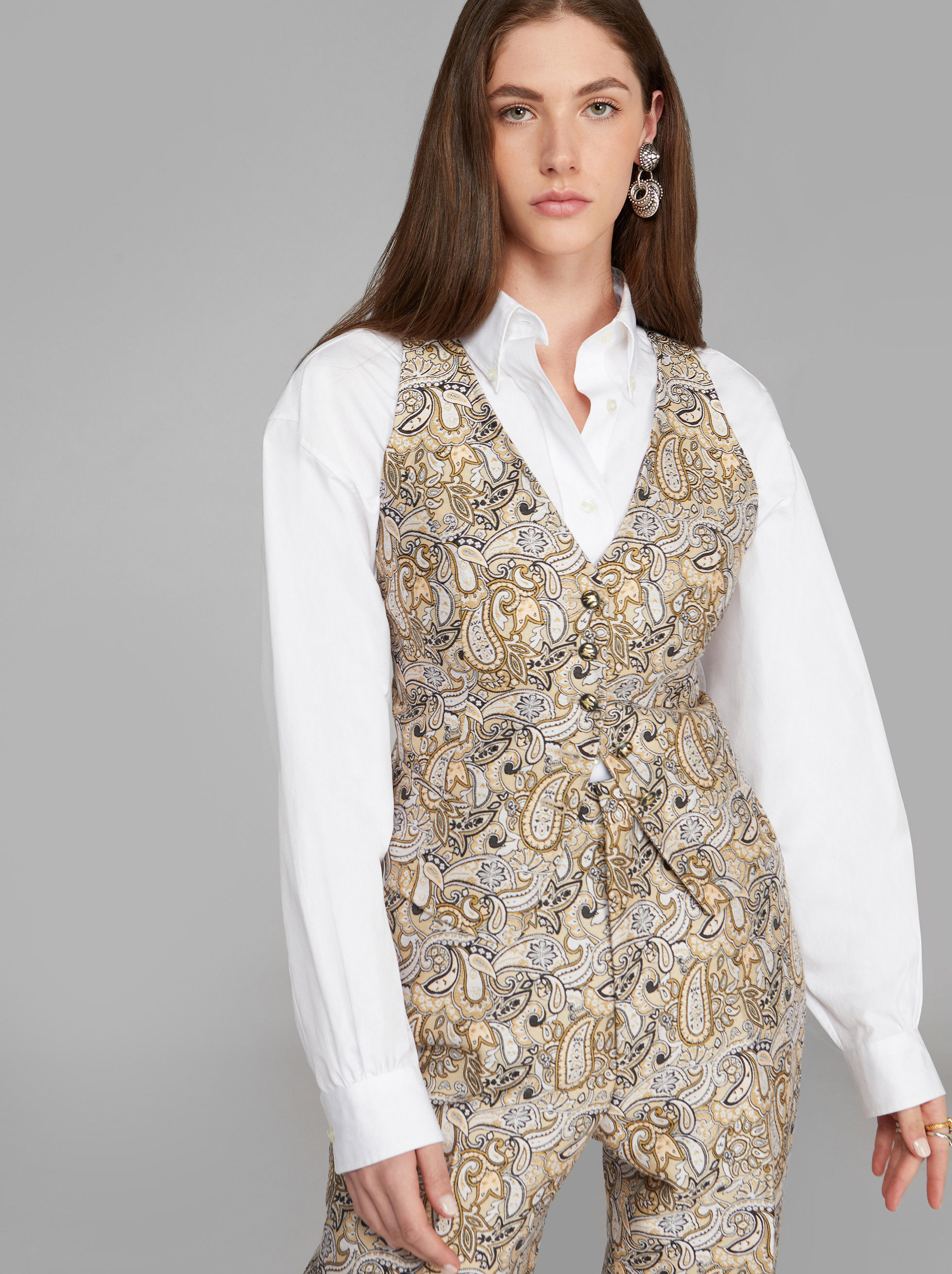 JACQUARD TAILORED GILET WITH PAISLEY PATTERNS