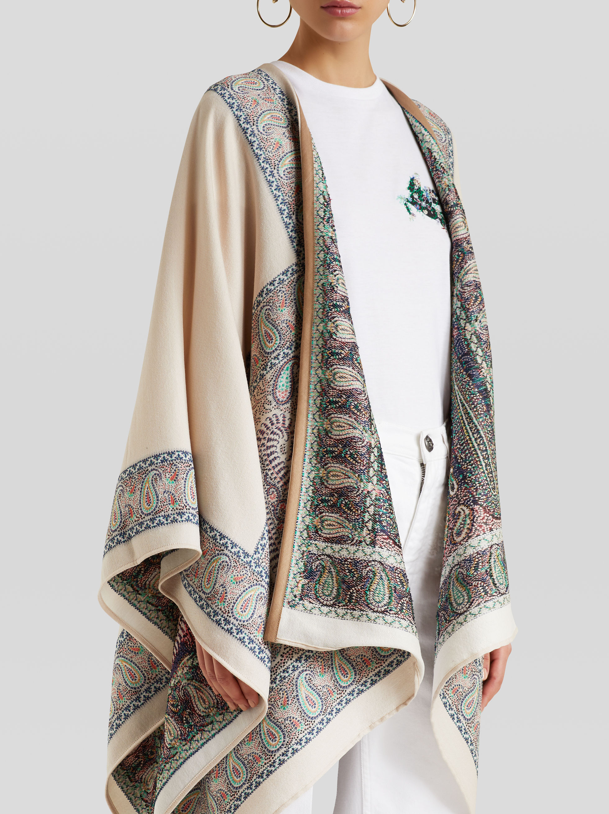 JACQUARD CAPE WITH MOSAIC PAISLEY PATTERNS
