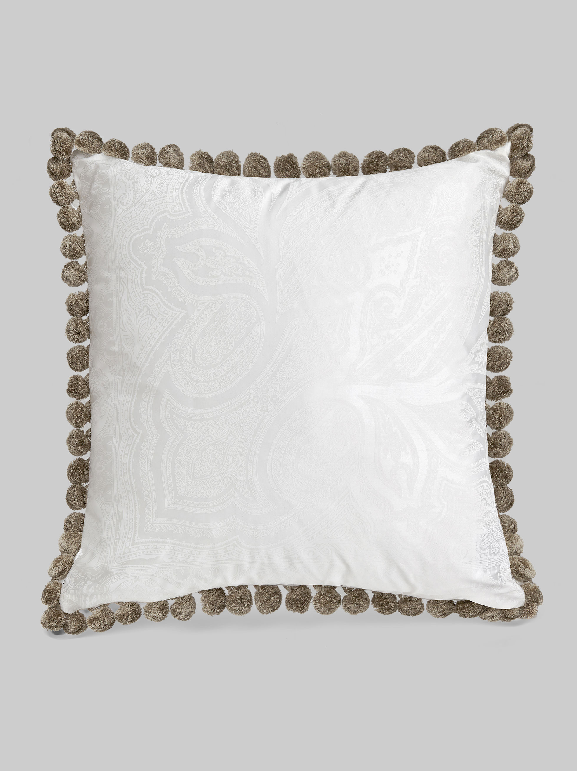 THROW PILLOW WITH TRIMMINGS