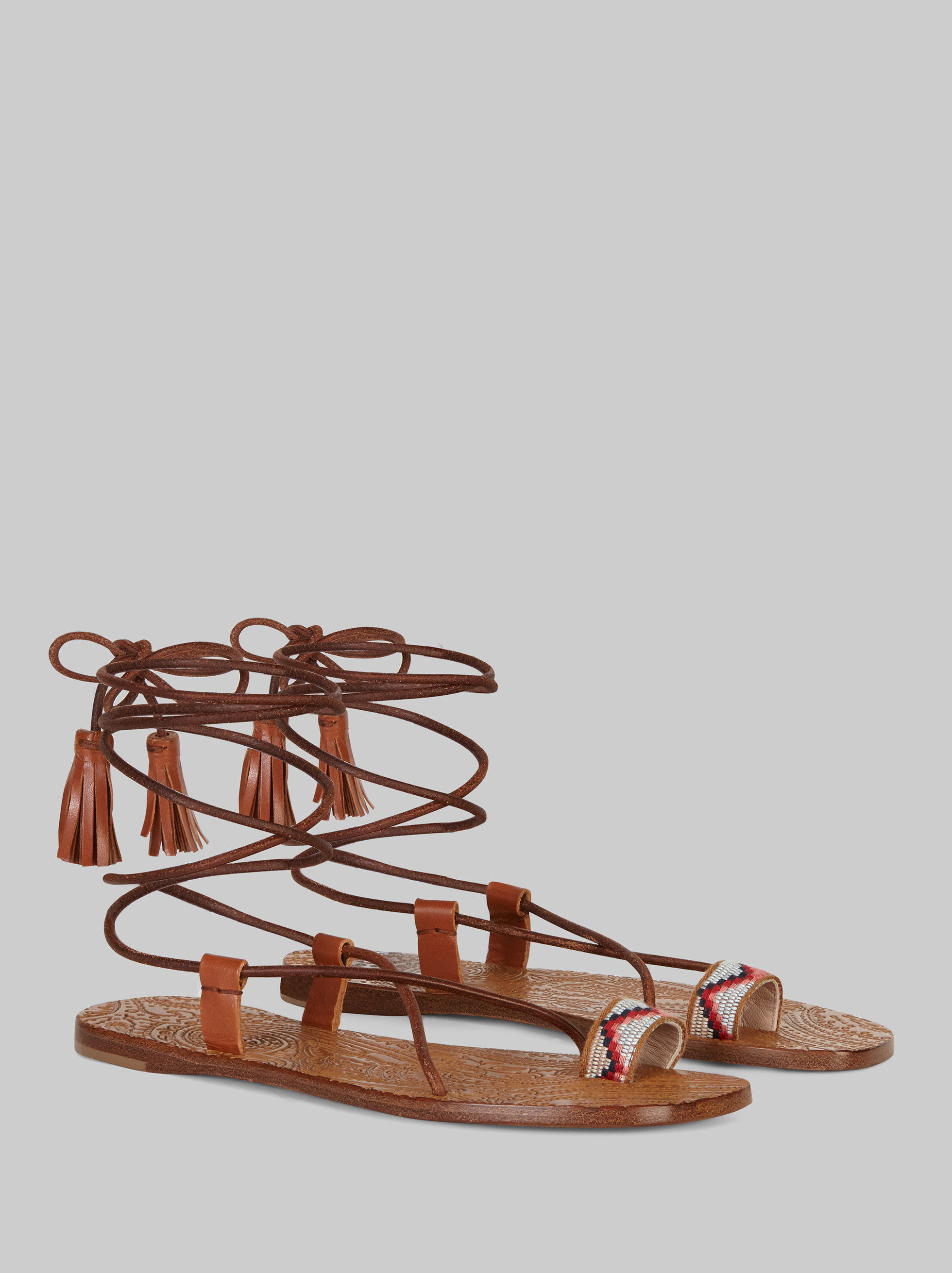FLAT LEATHER SANDALS WITH EMBROIDERY
