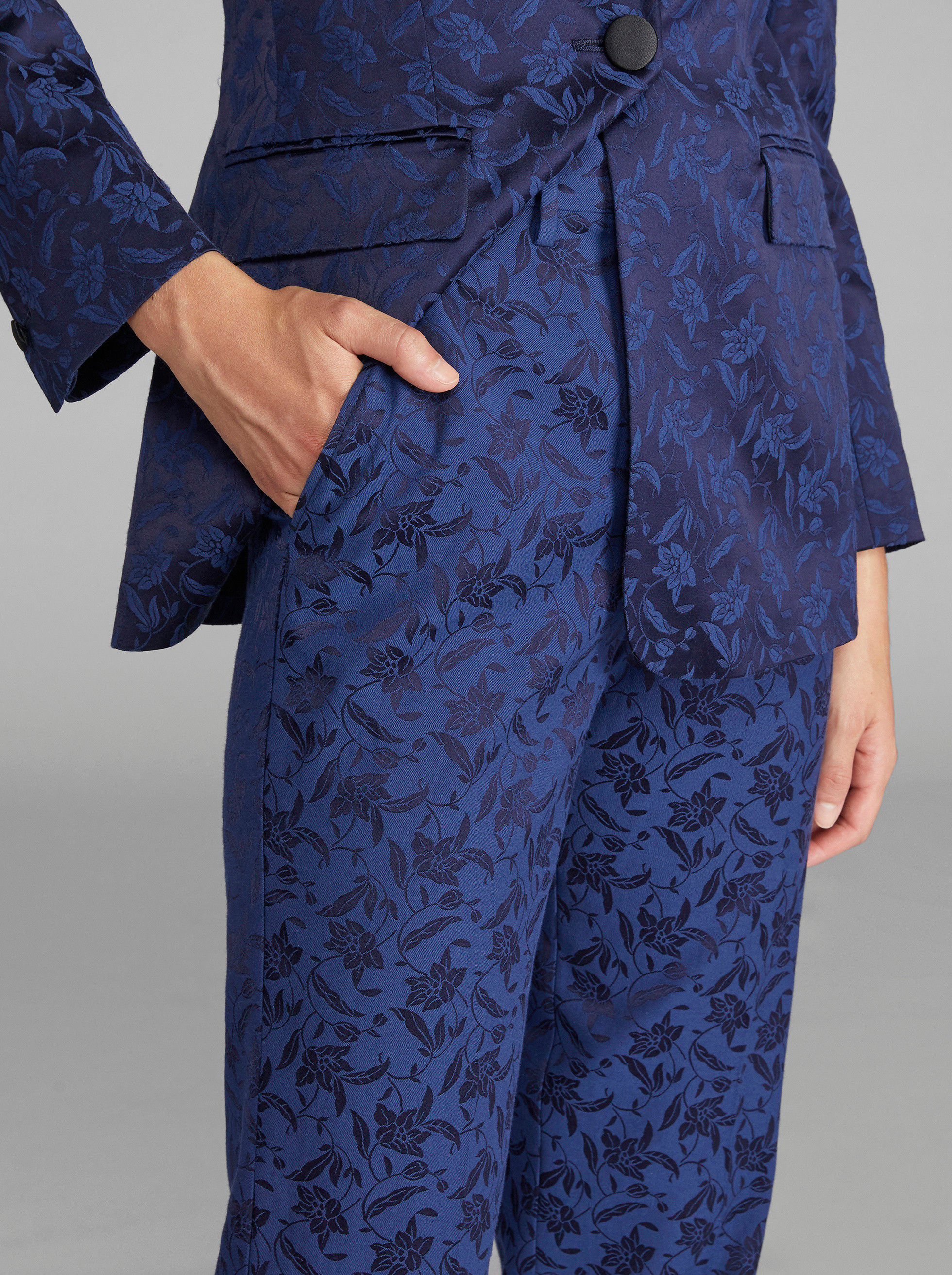 FLORAL JACQUARD TROUSERS