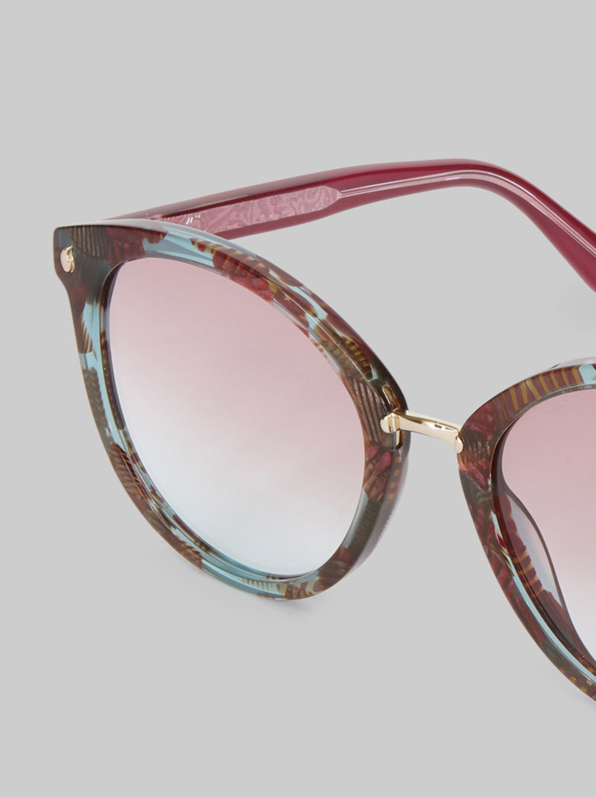 BUTTERFLY SUNGLASSES WITH PAISLEY DETAILS