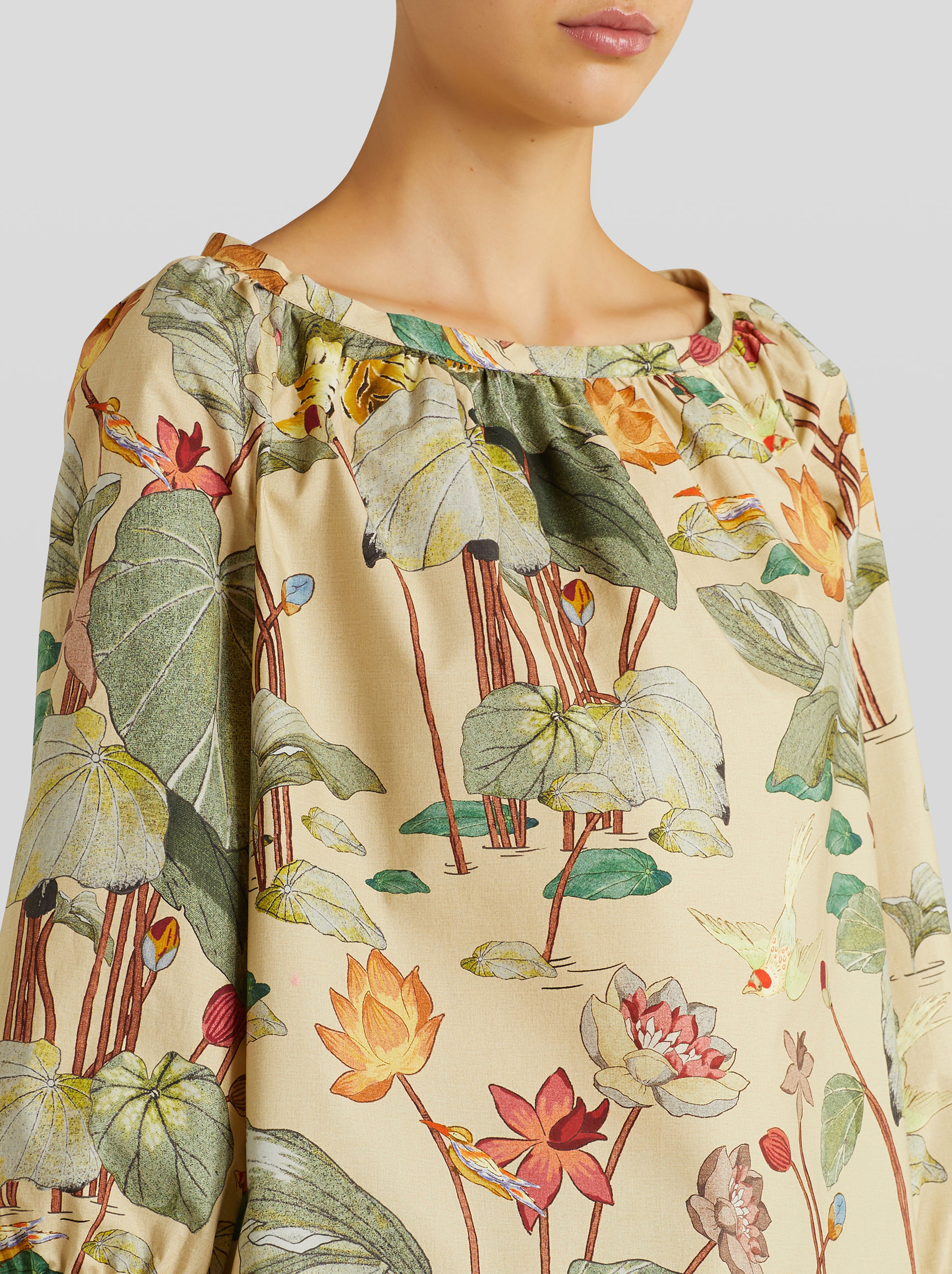 TIGER AND WATER LILY PRINT TOP