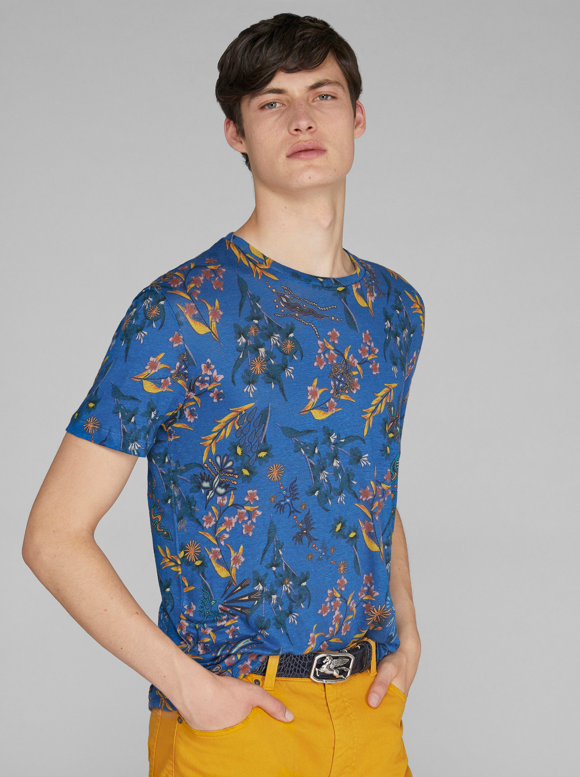 T-SHIRT IN LINO CON STAMPA FLOREALE