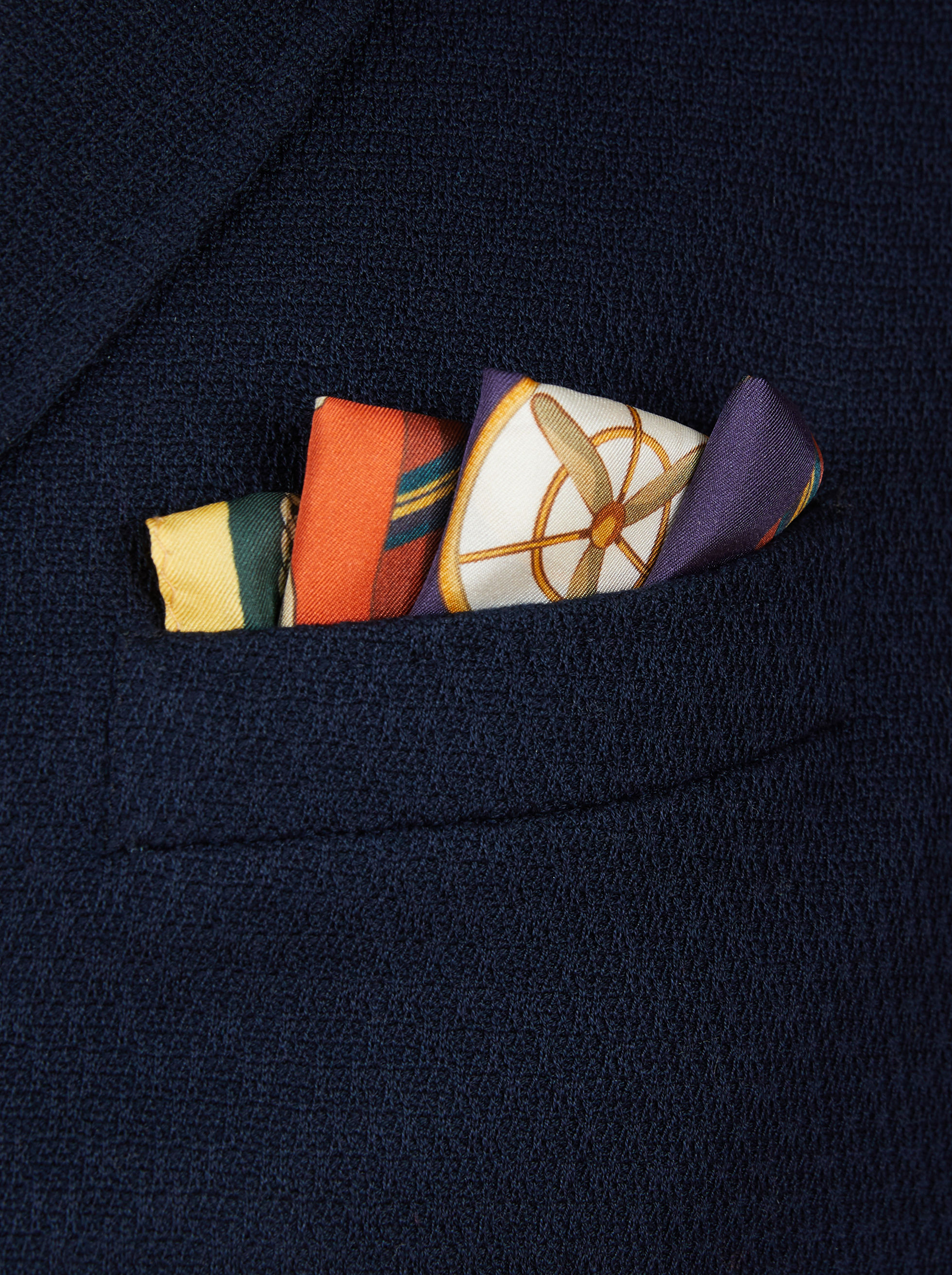 POCKET SQUARE WITH REGIMENTAL PRINT