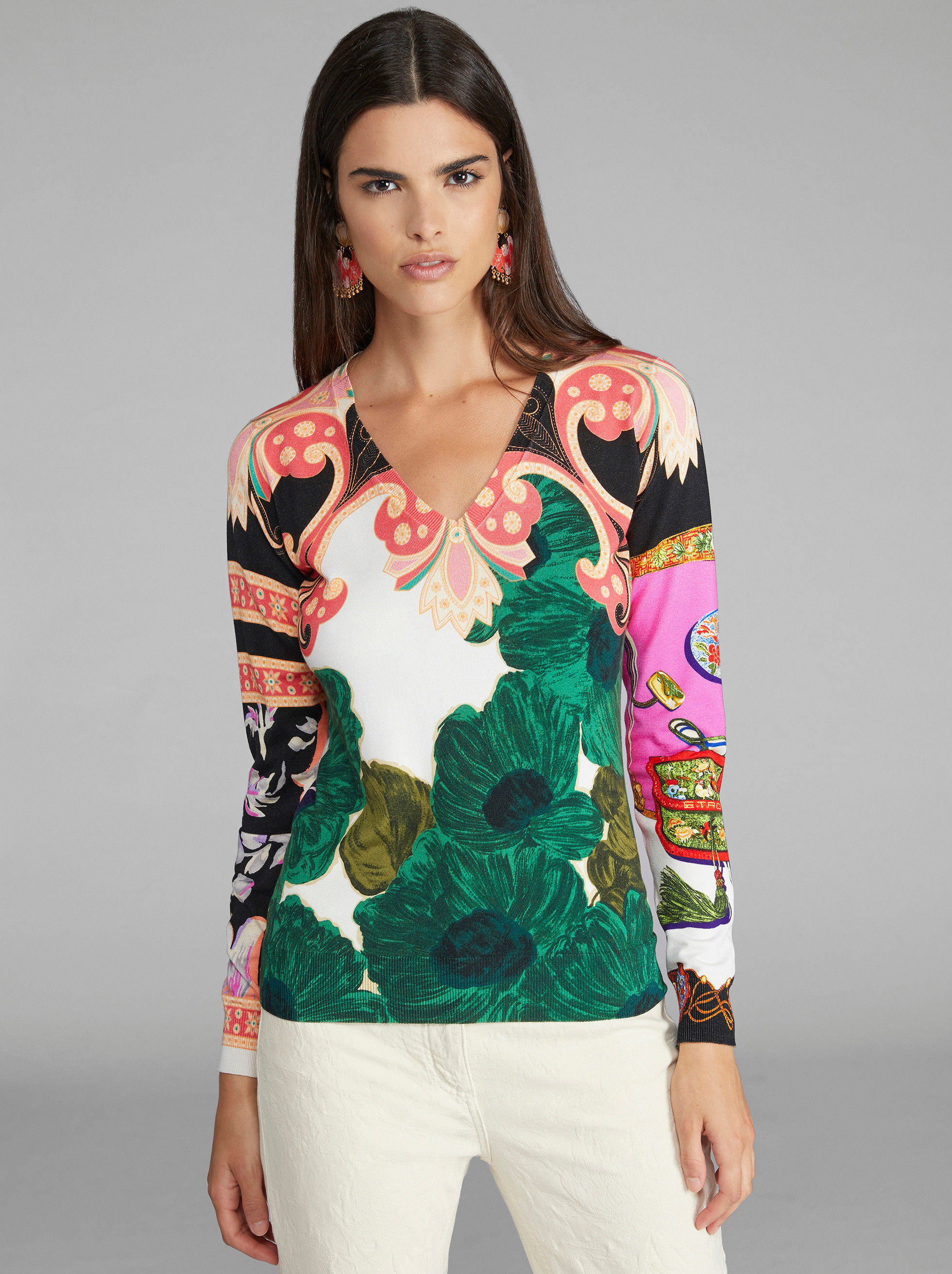 PATCHWORK PRINT V-NECK JUMPER