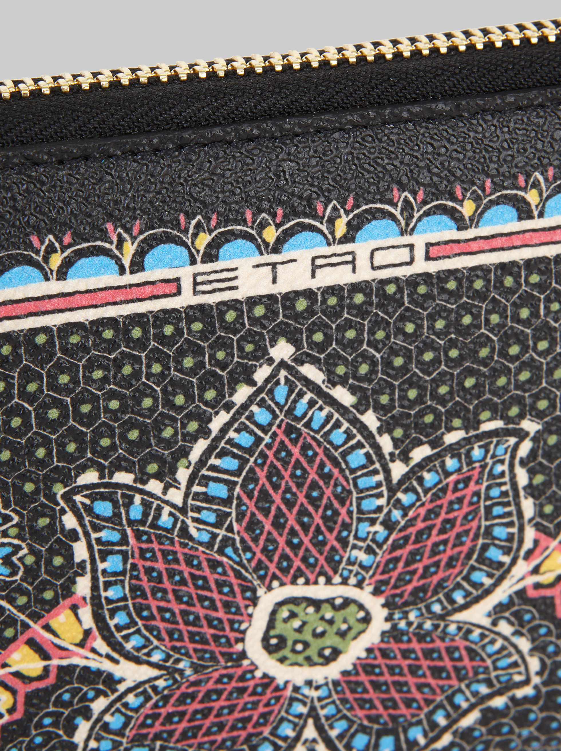 PURSE WITH FLOWER PRINT