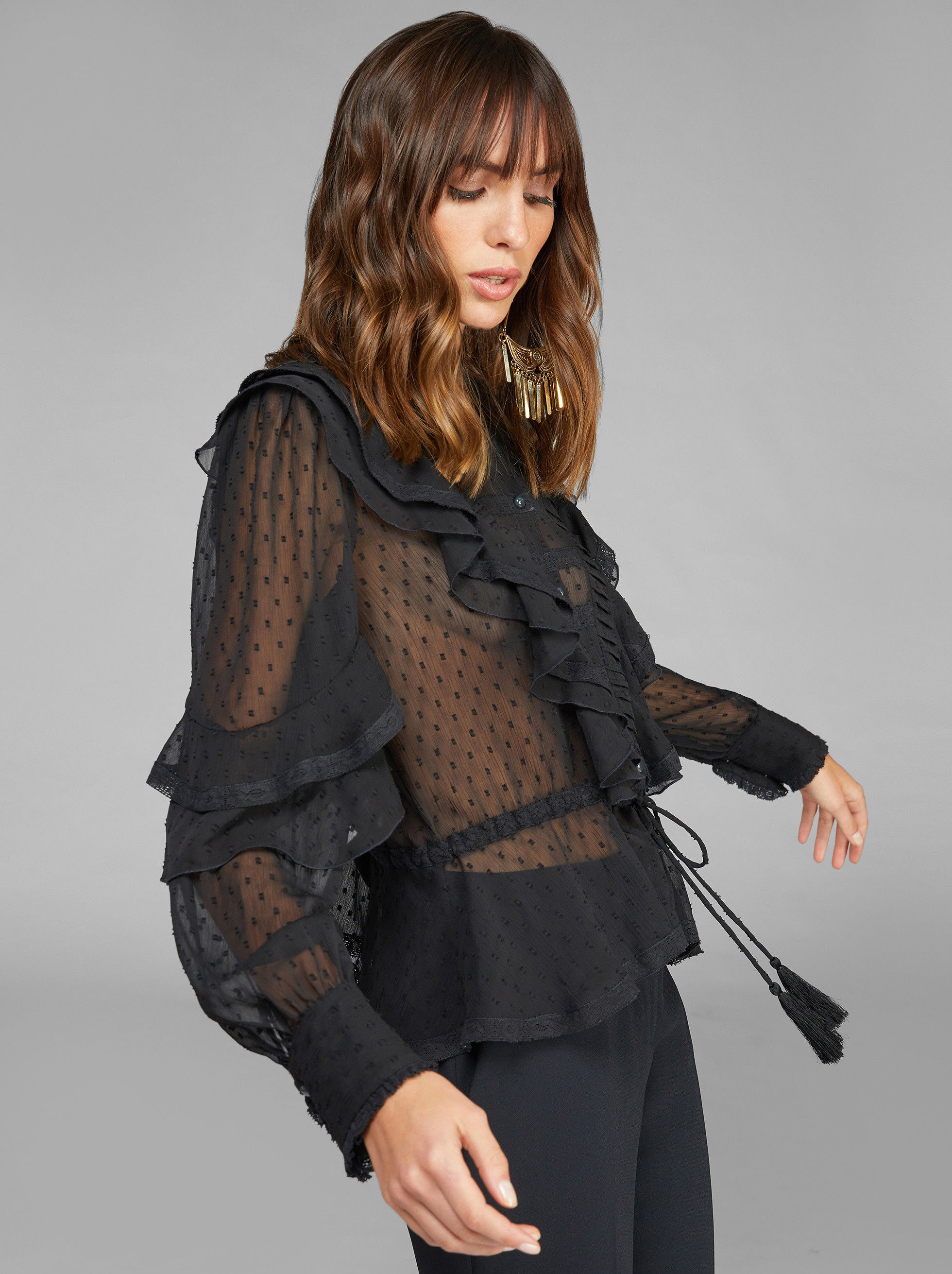 SHIRT IN LACE WITH RUCHES AND DOTS