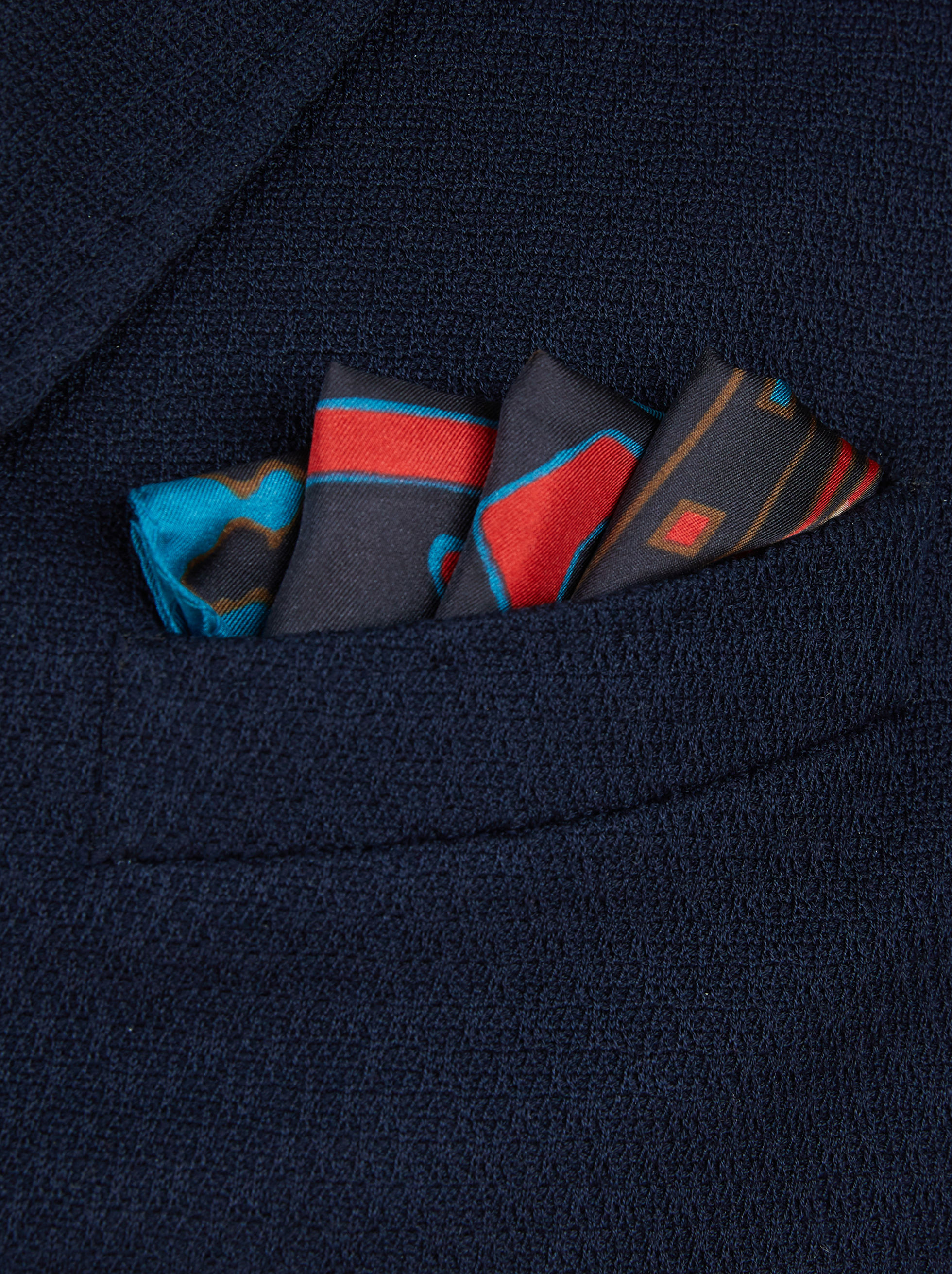 POCKET SQUARE WITH CARPET PRINT