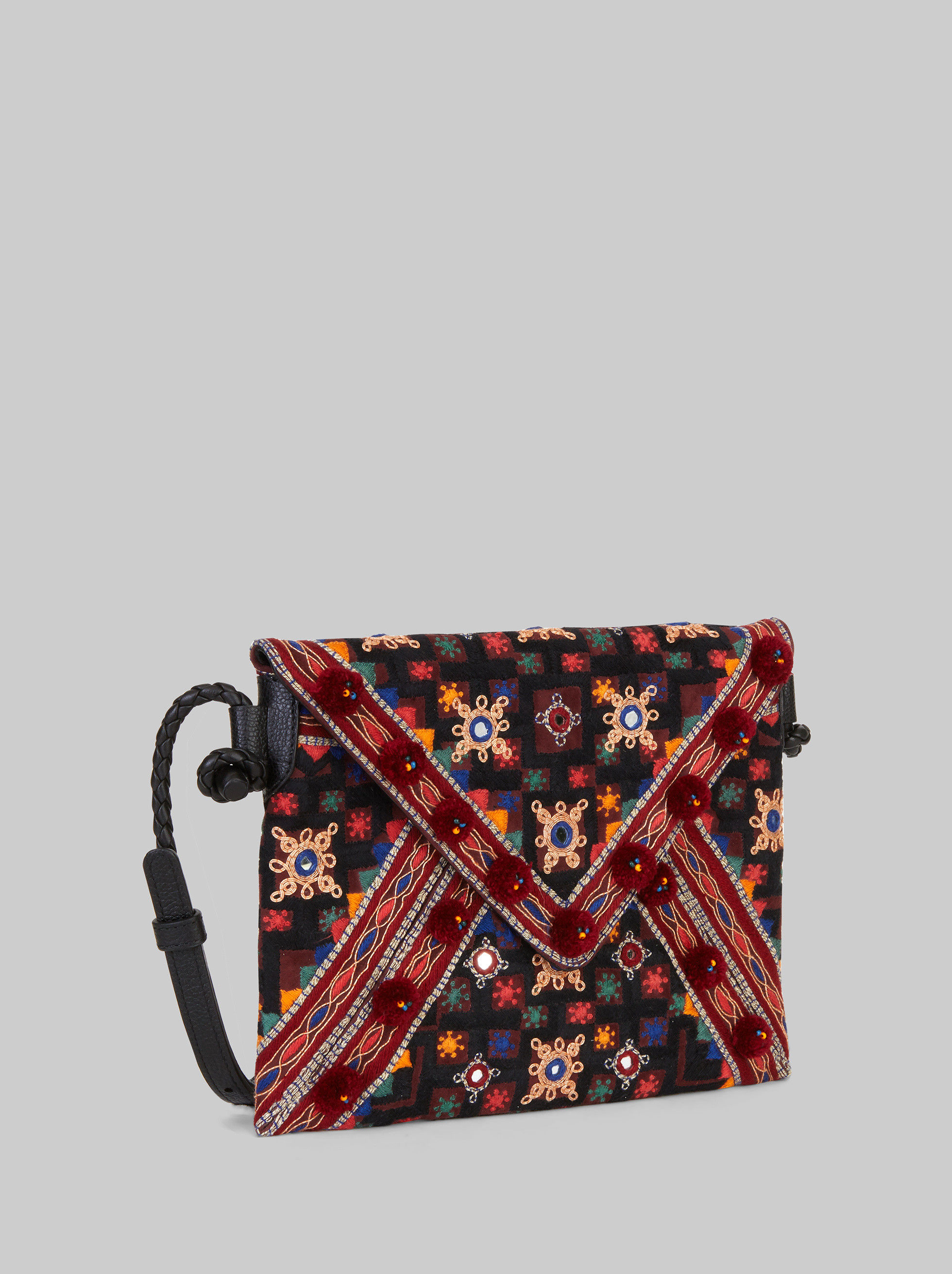 GOA BAG WITH EMBROIDERY