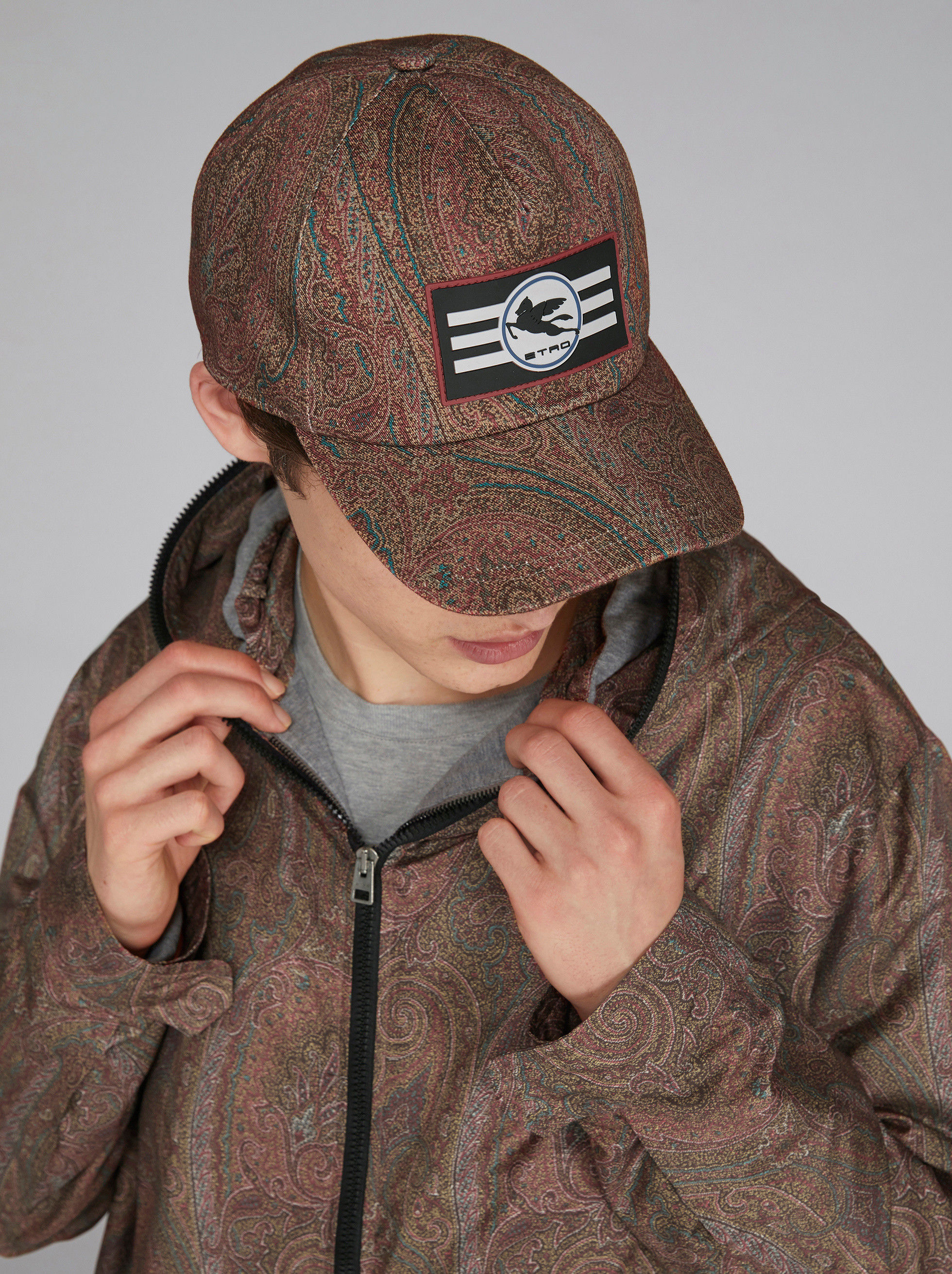 PAISLEY BASEBALL CAP WITH PEGASO