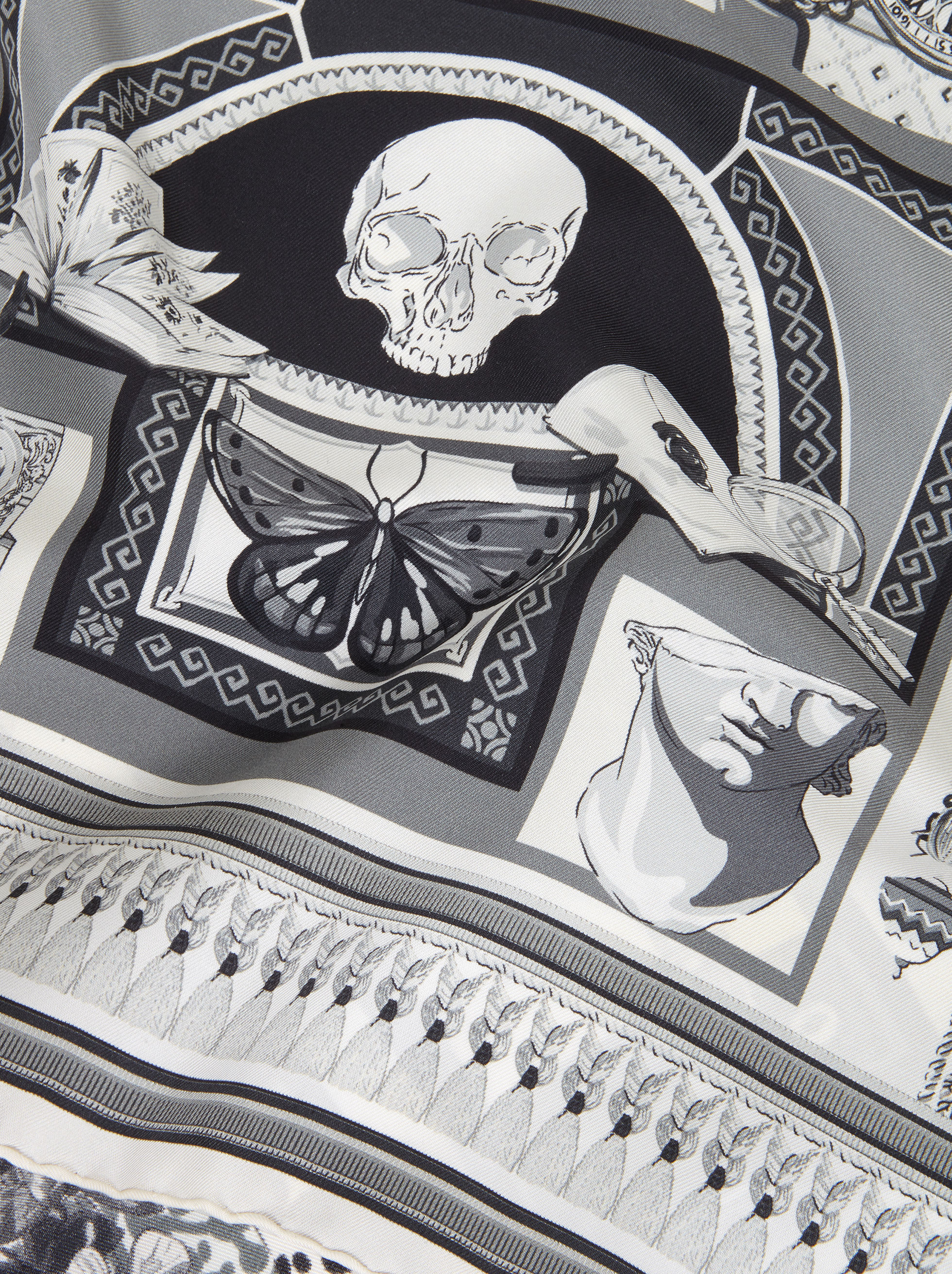 SCARF WITH WUNDERKAMMER PRINT