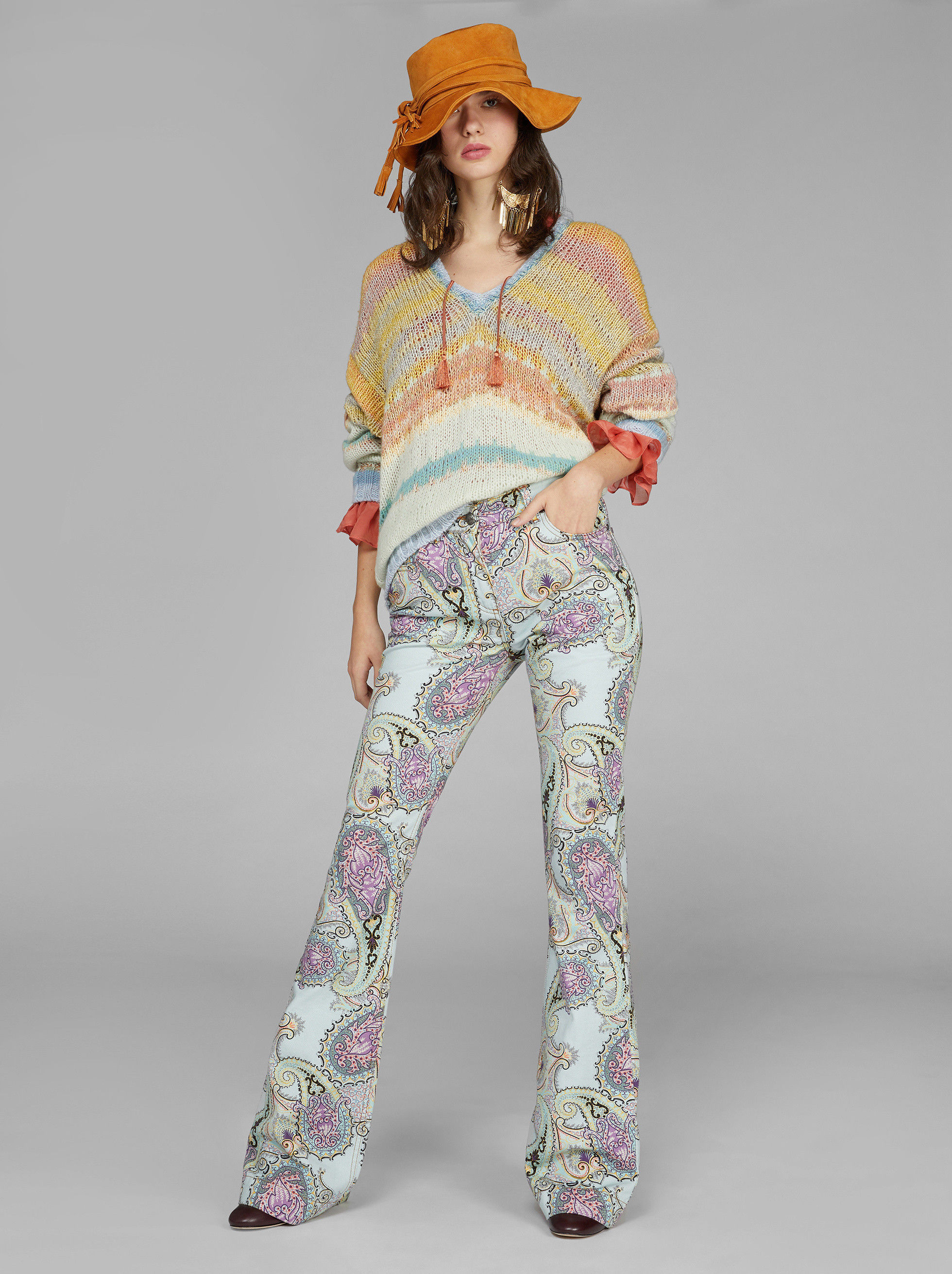 PAISLEY PRINT FLARED JEANS