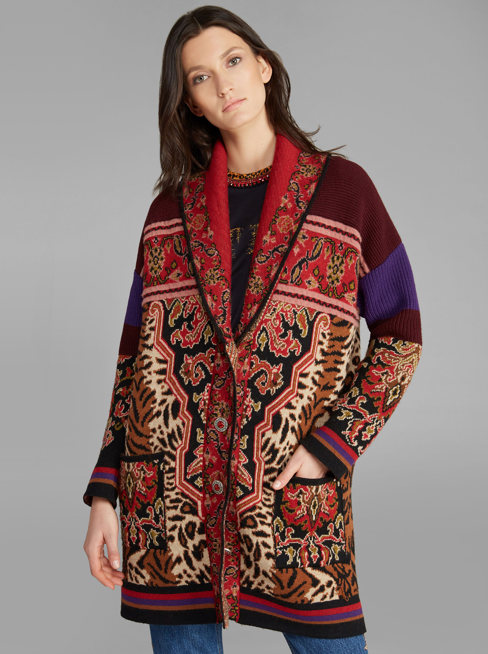 ANIMAL AND CARPET-PRINT COAT