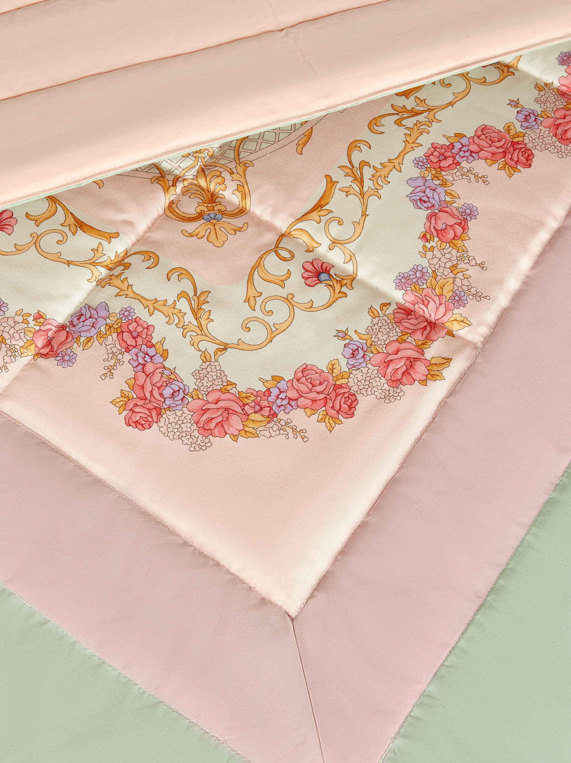 SILK QUILT WITH DOUBLE BORDER