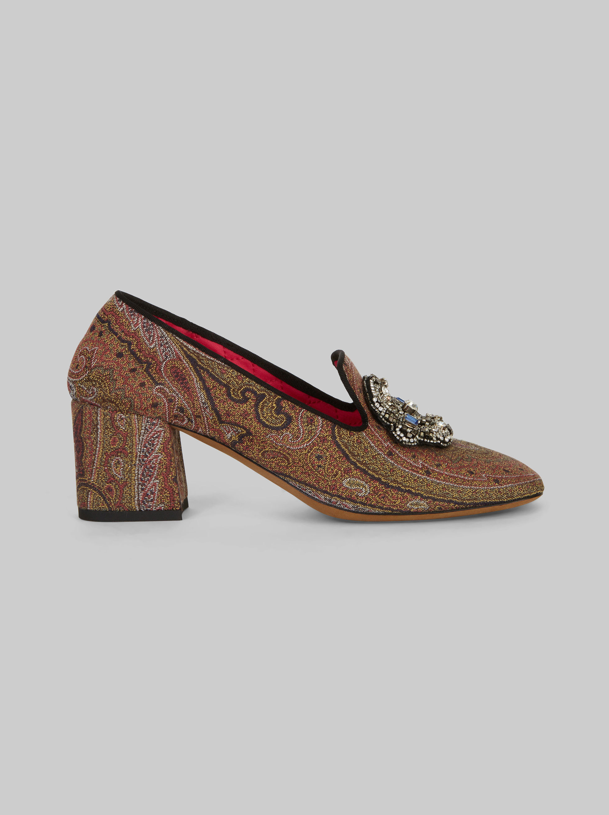 JACQUARD PUMPS WITH EMBROIDERY