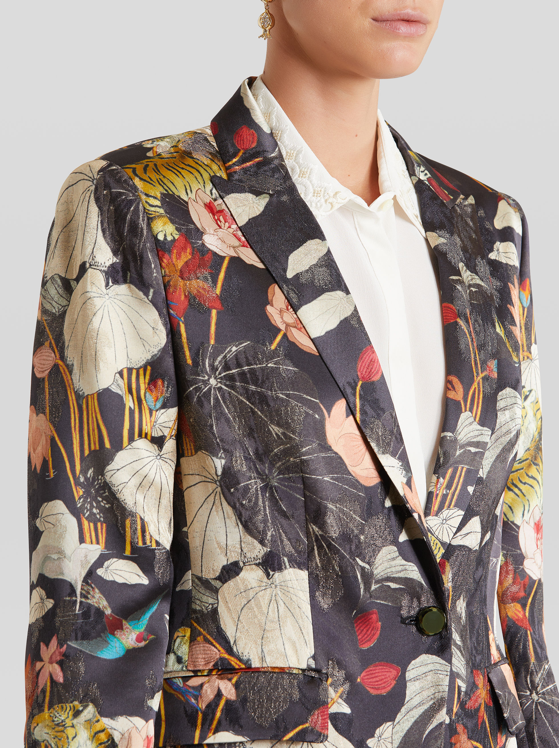 TAILORED JACKET WITH WATER LILY AND TIGER
