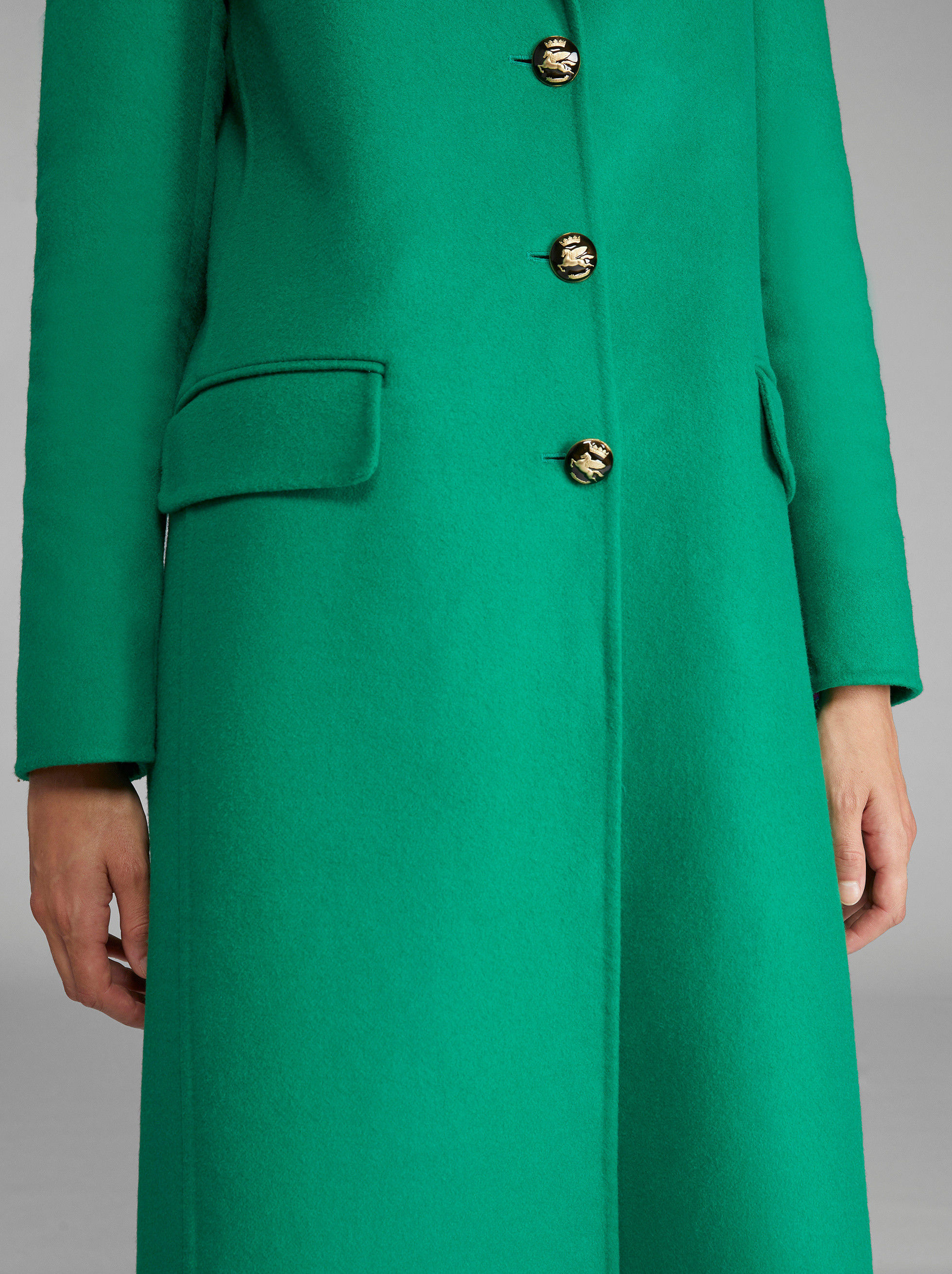 COAT WITH PEGASO BUTTONS