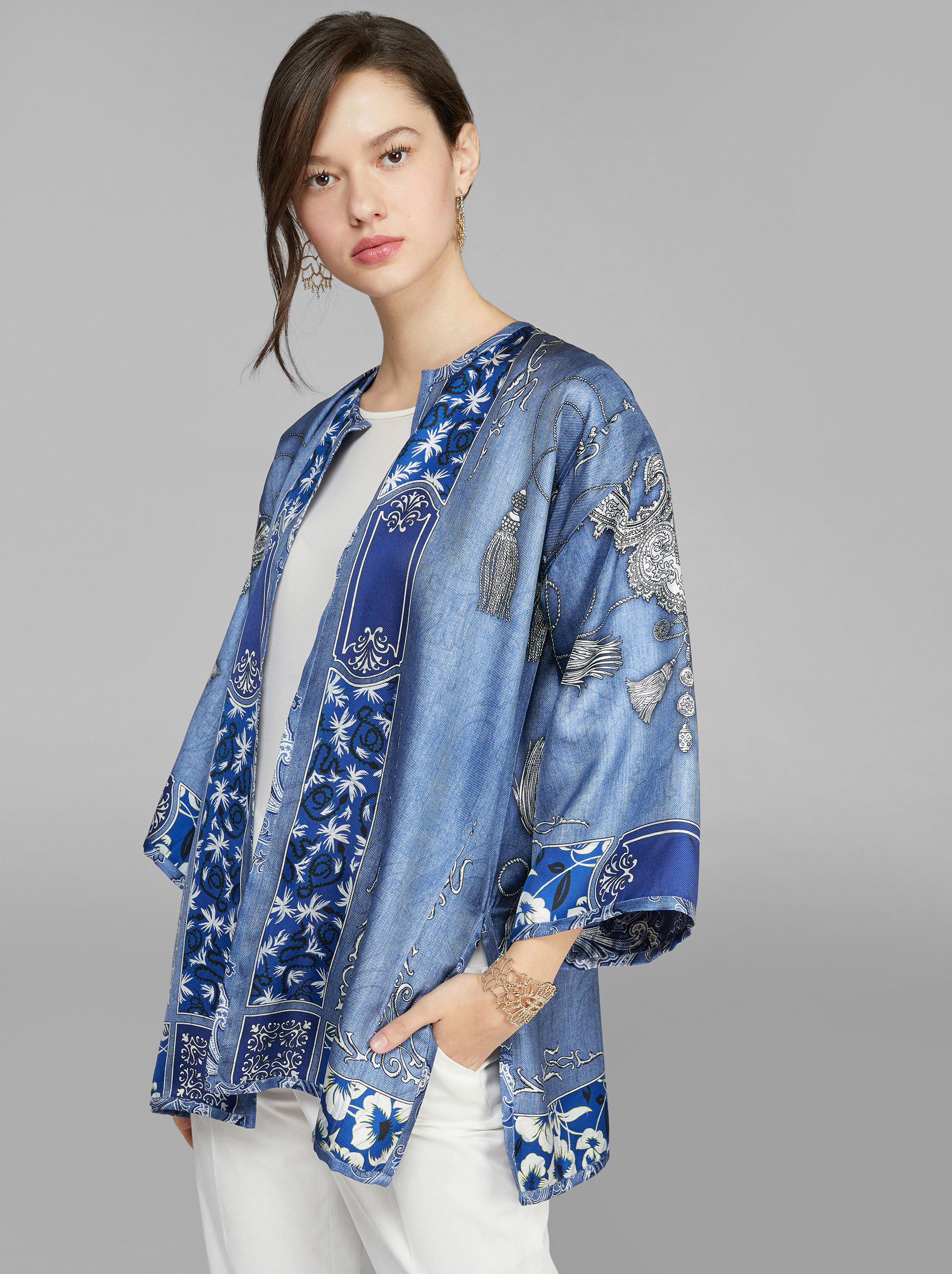 BANDANA PRINT DOUBLE-SIDED PONCHO