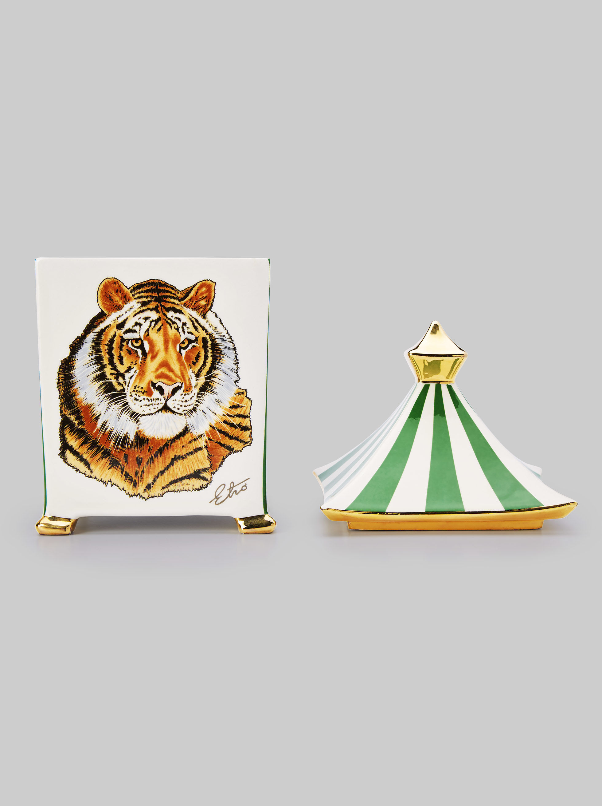 BENGAL TIGER SCENTED CANDLE