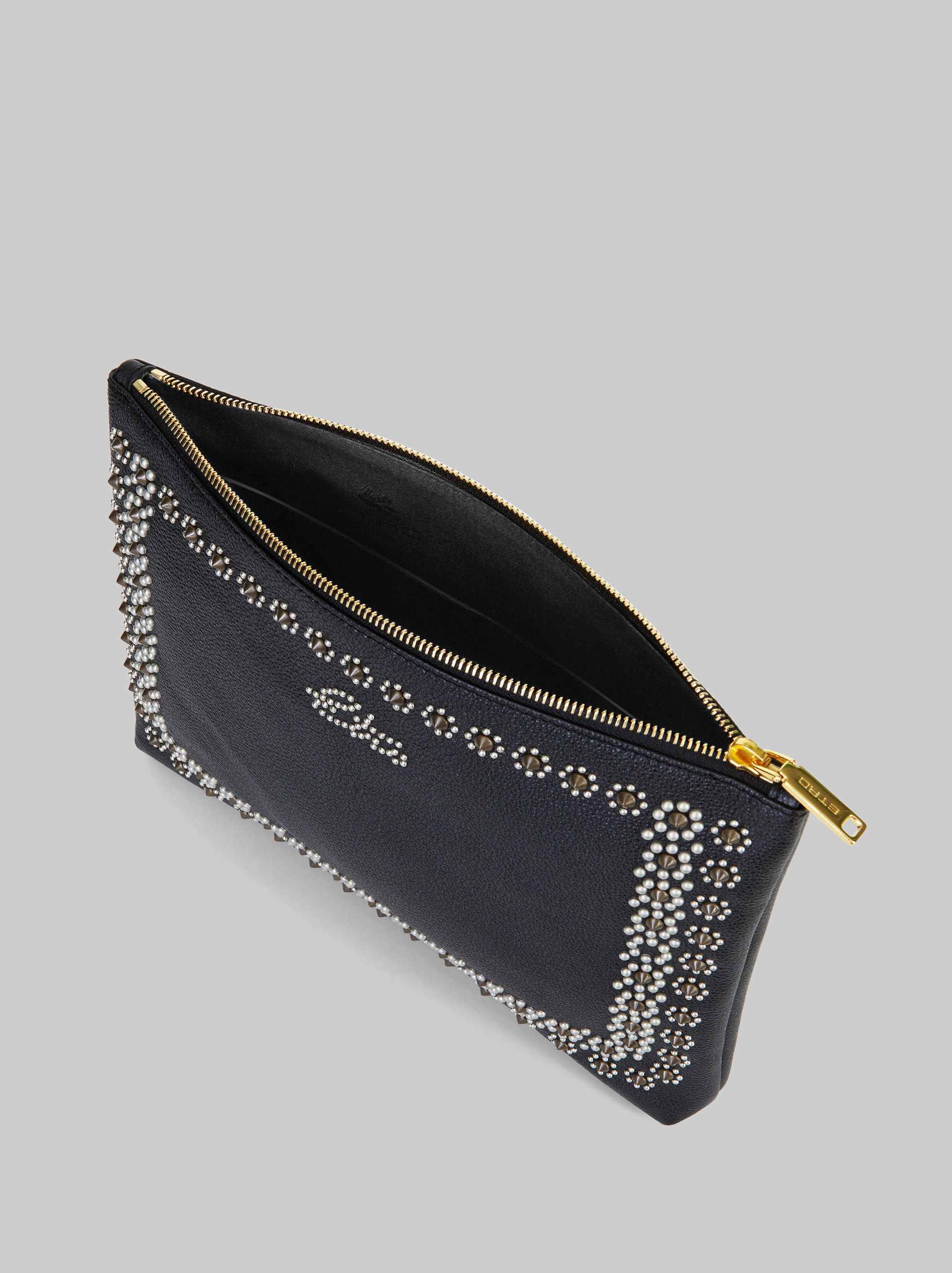 LEATHER POUCH WITH STUDS