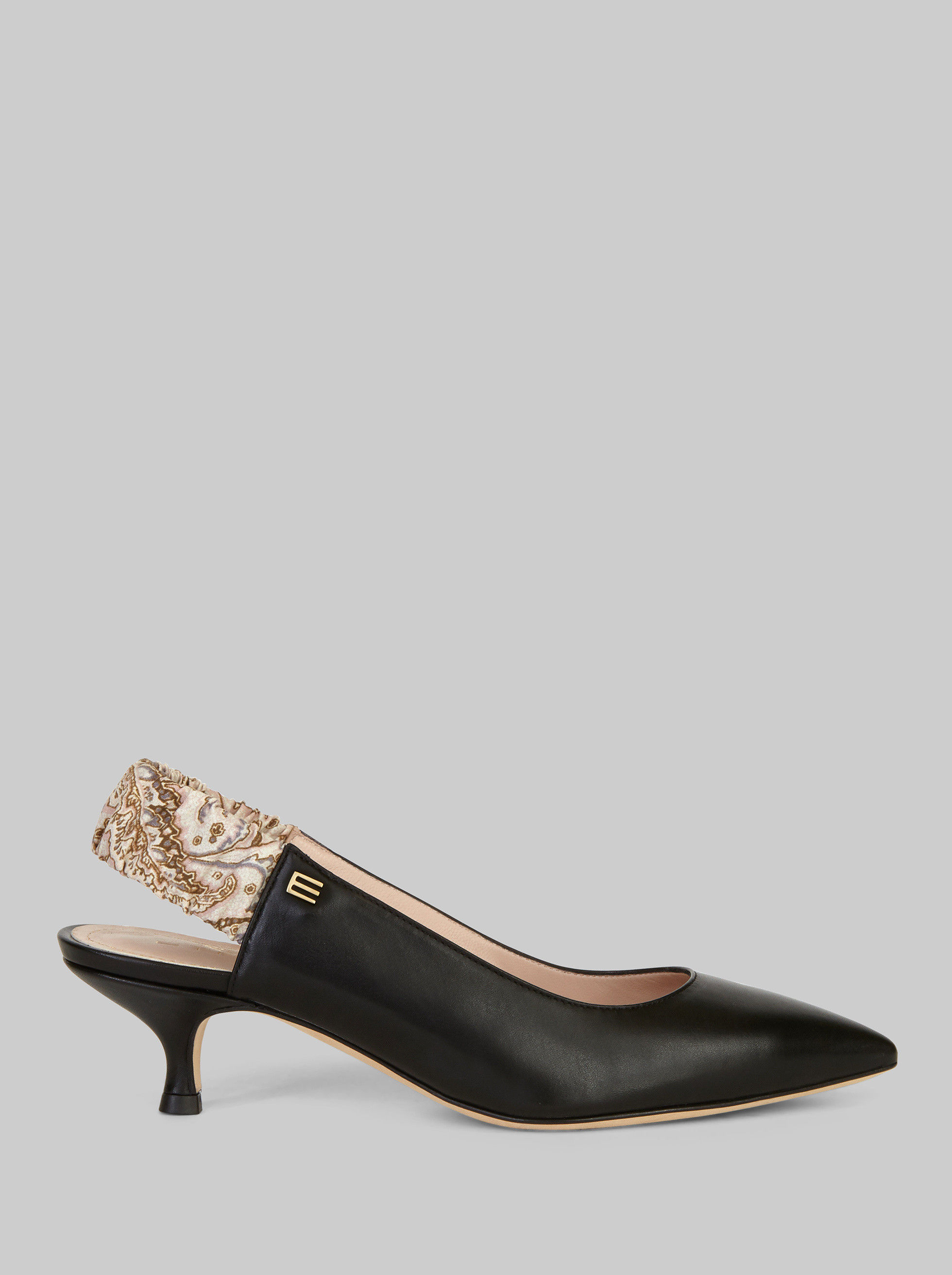 LEATHER COURT SHOE WITH PAISLEY STRAP
