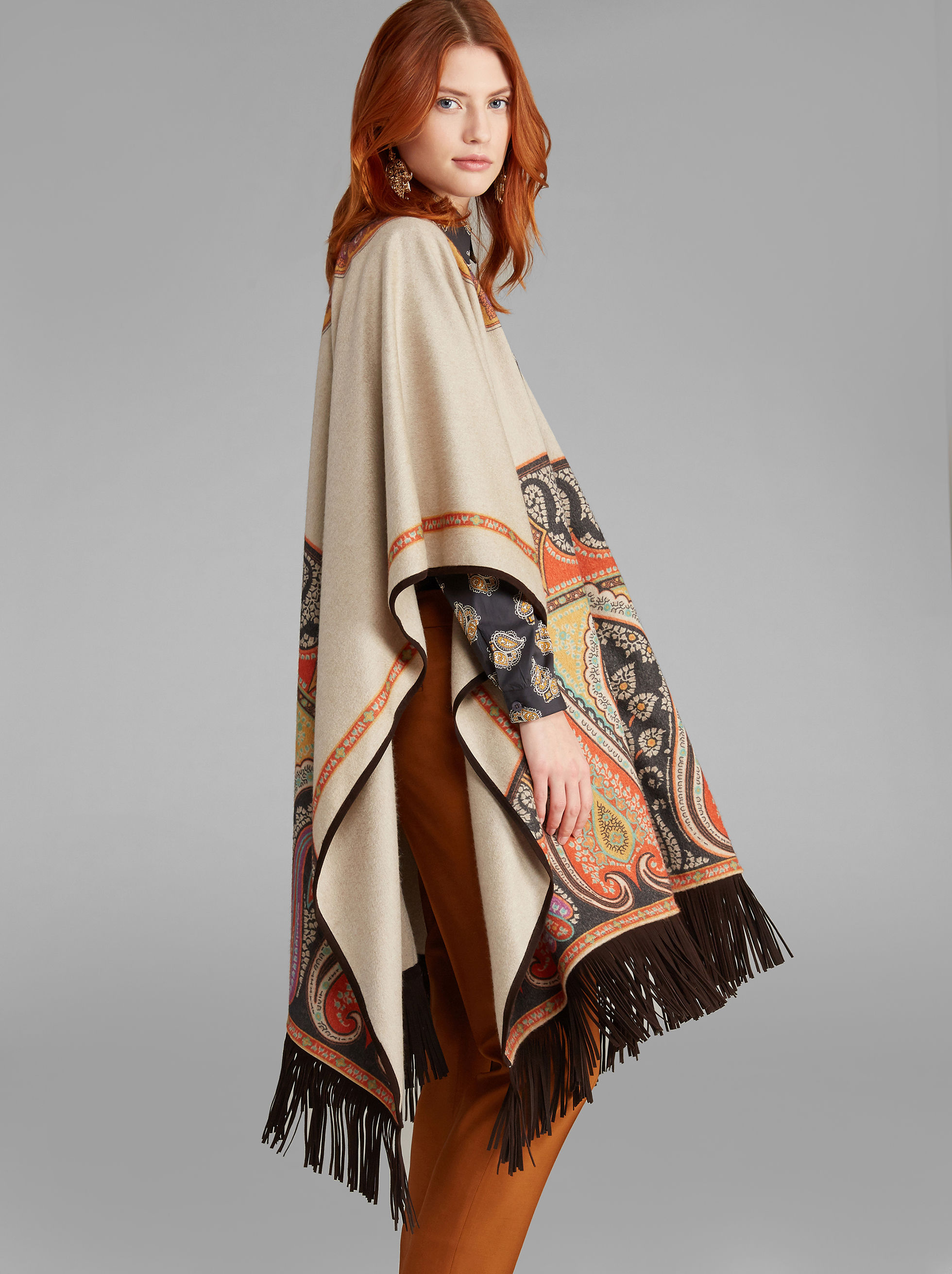 CAPE WITH FRINGE
