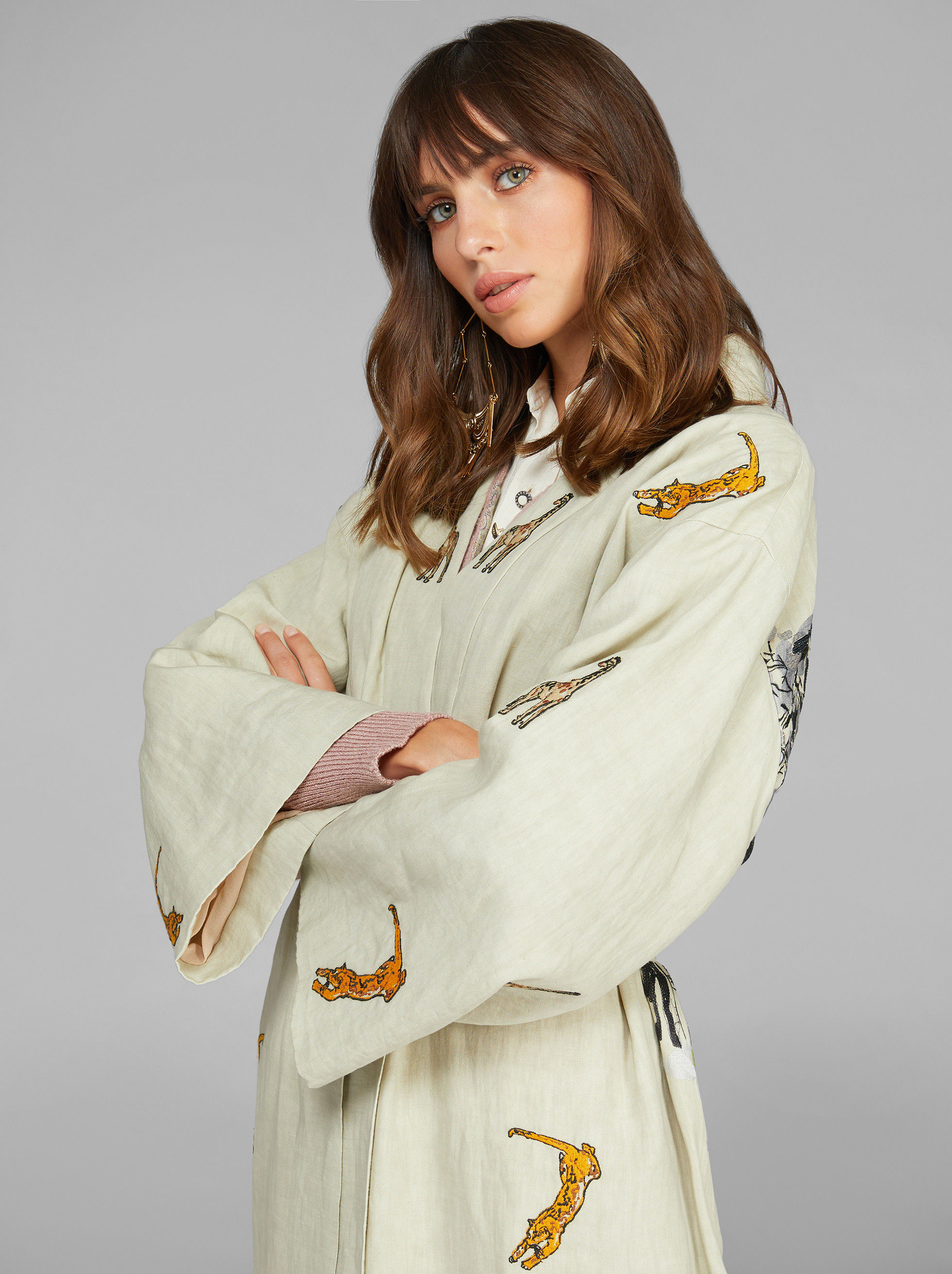 LIGHT EMBROIDERED LINEN COAT