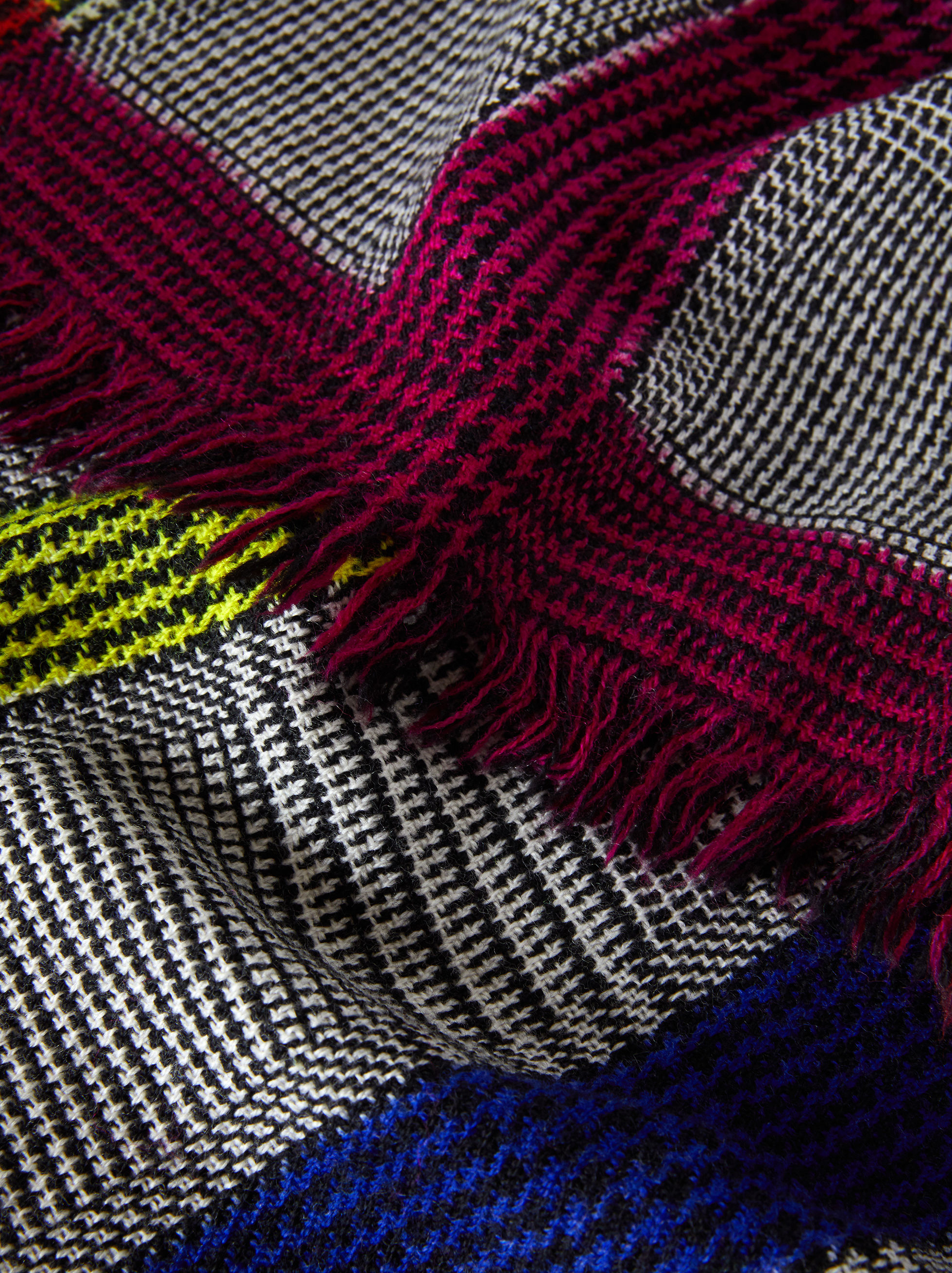 PRINCE OF WALES WOOL SCARF