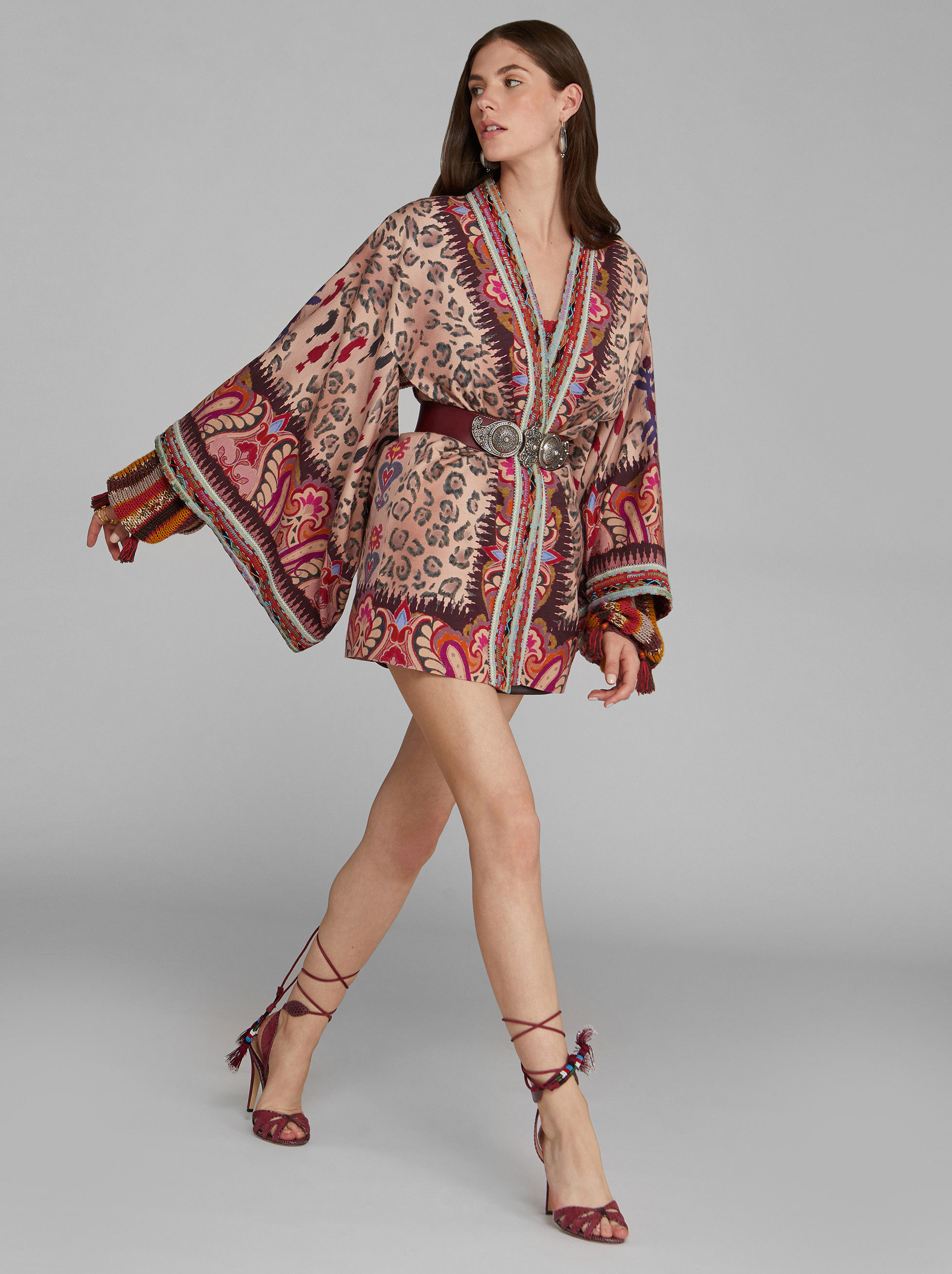 KIMONO JACKET WITH PAISLEY PRINT WITH ANIMAL DESIGN