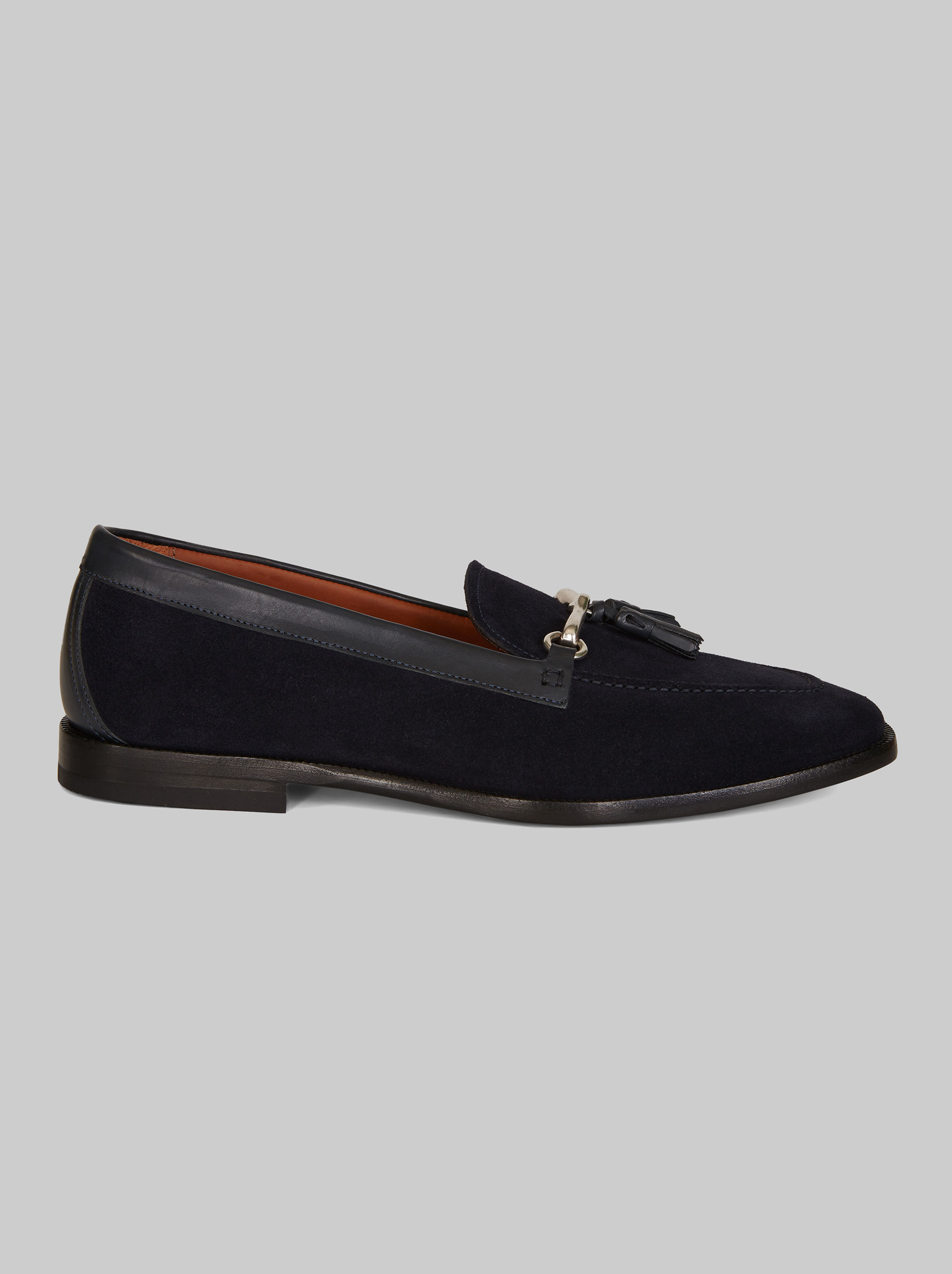 LOAFERS WITH TASSELS