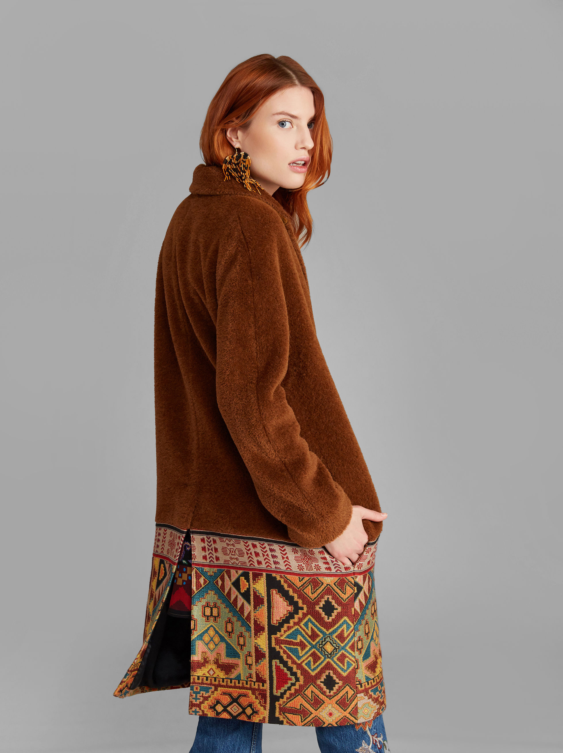 COAT WITH CARPET-PRINT PANEL