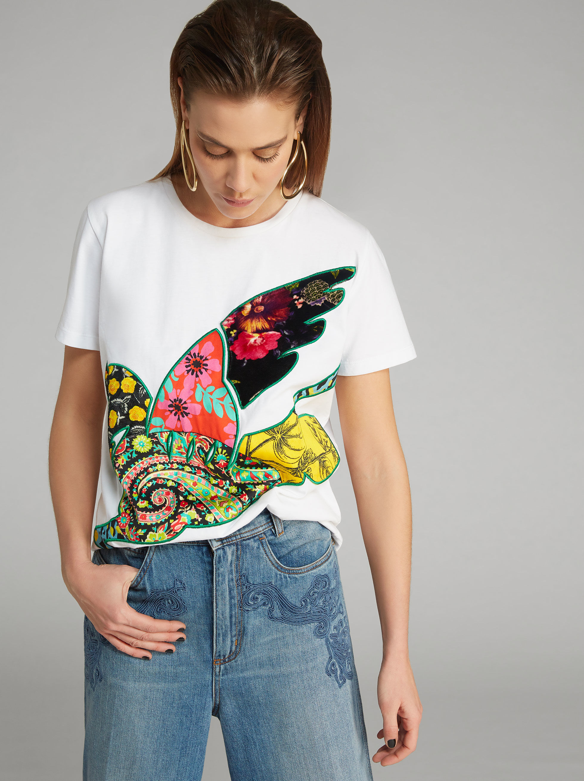 EMBROIDERED T-SHIRT